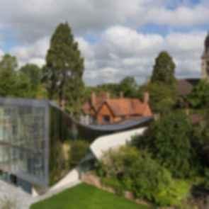 The Investcorp Building - Exterior/Landscape