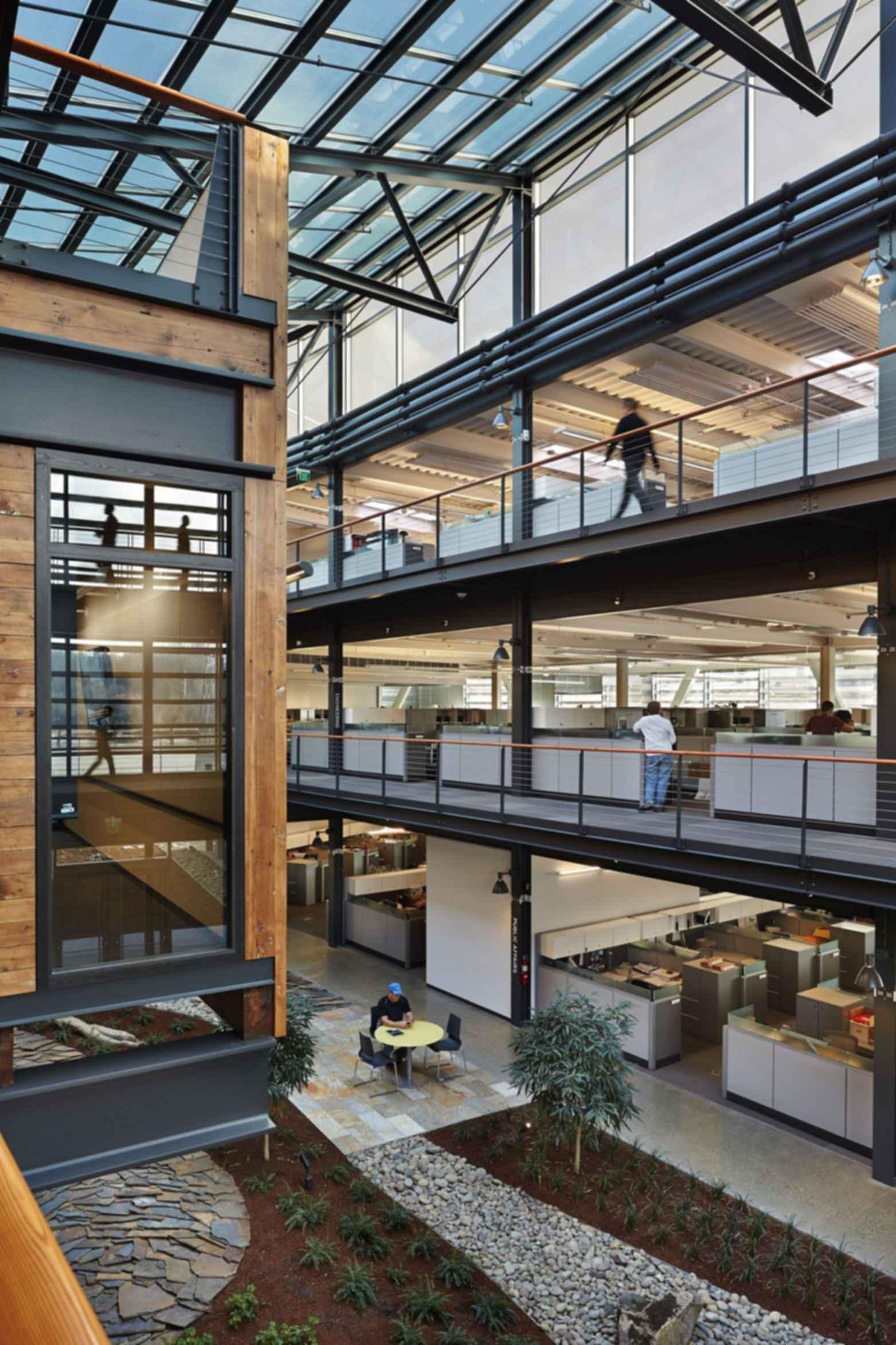 Federal Center South Building 1202 - Interior/Atrium