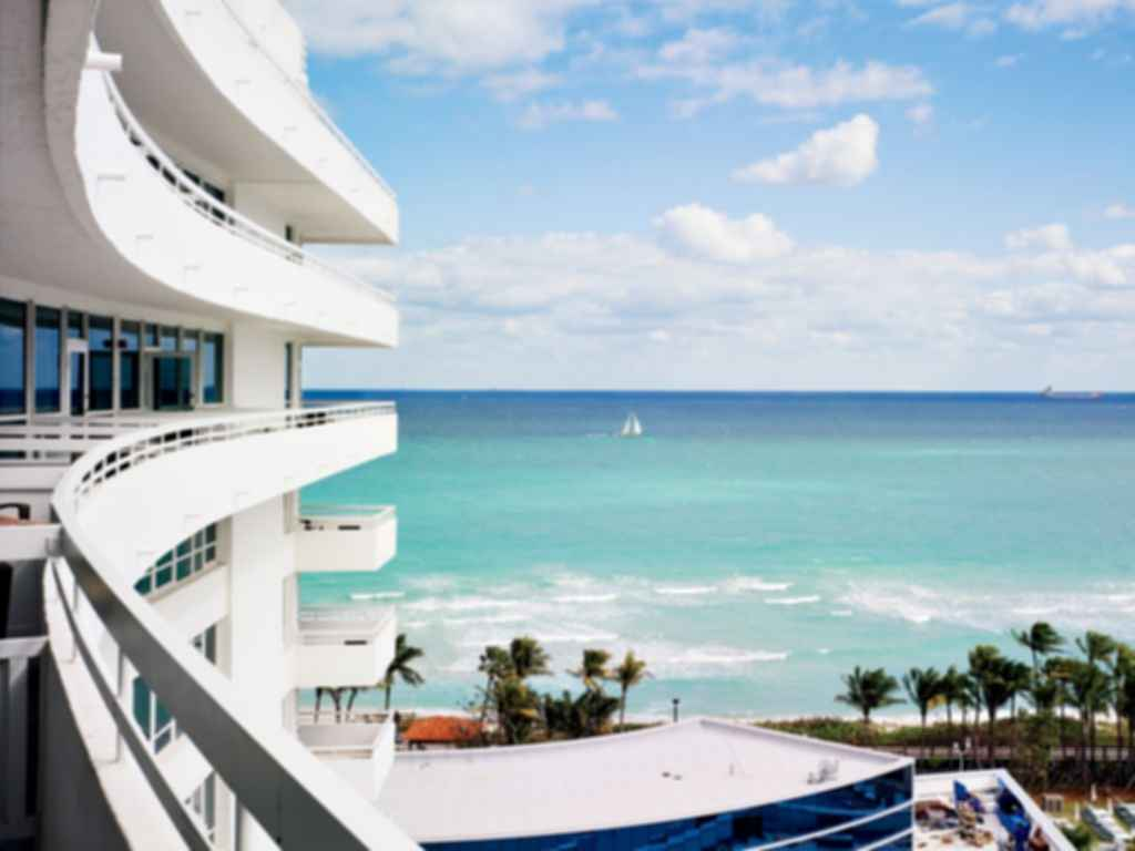Fontainebleau Hotel Exterior View Of The Ocean Modlar Com