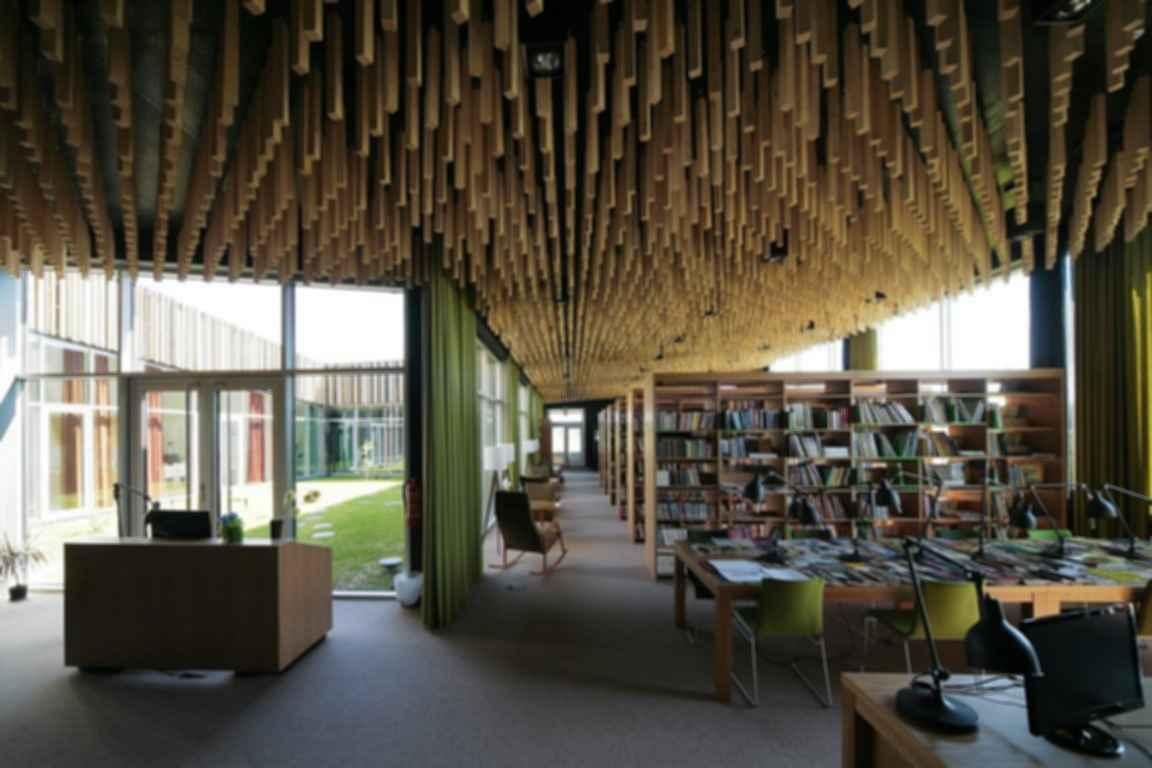 Someru Community Centre - Interior