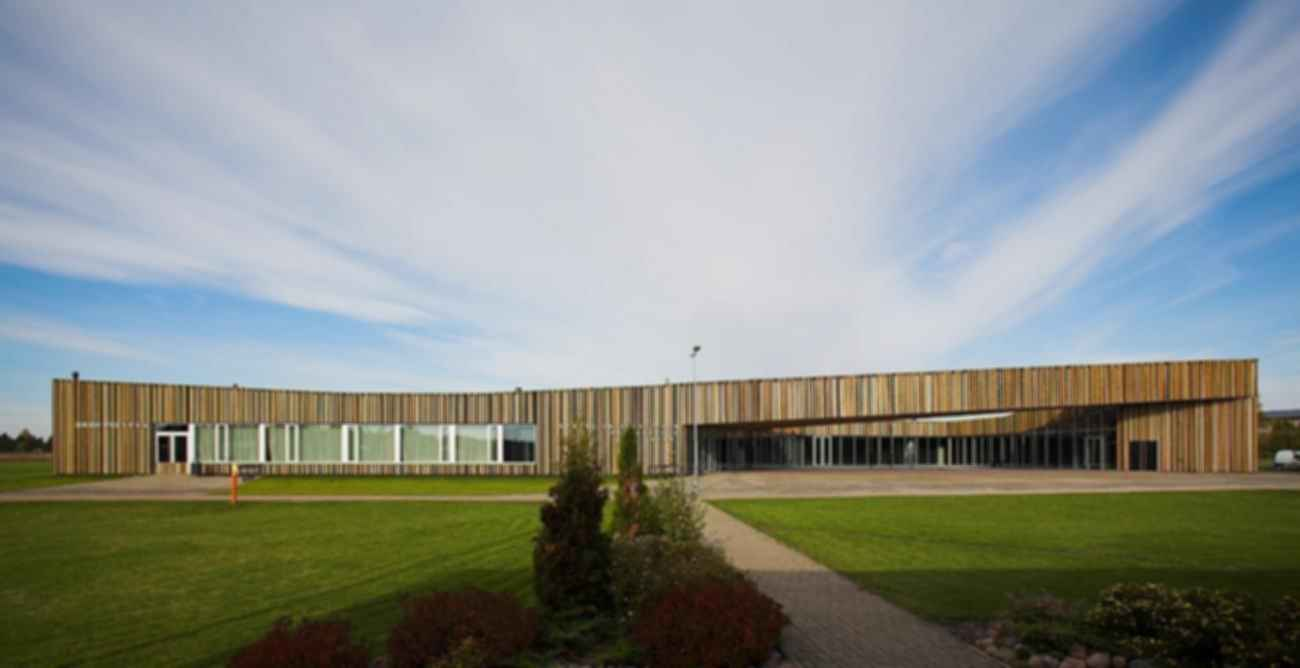 Someru Community Centre - Exterior