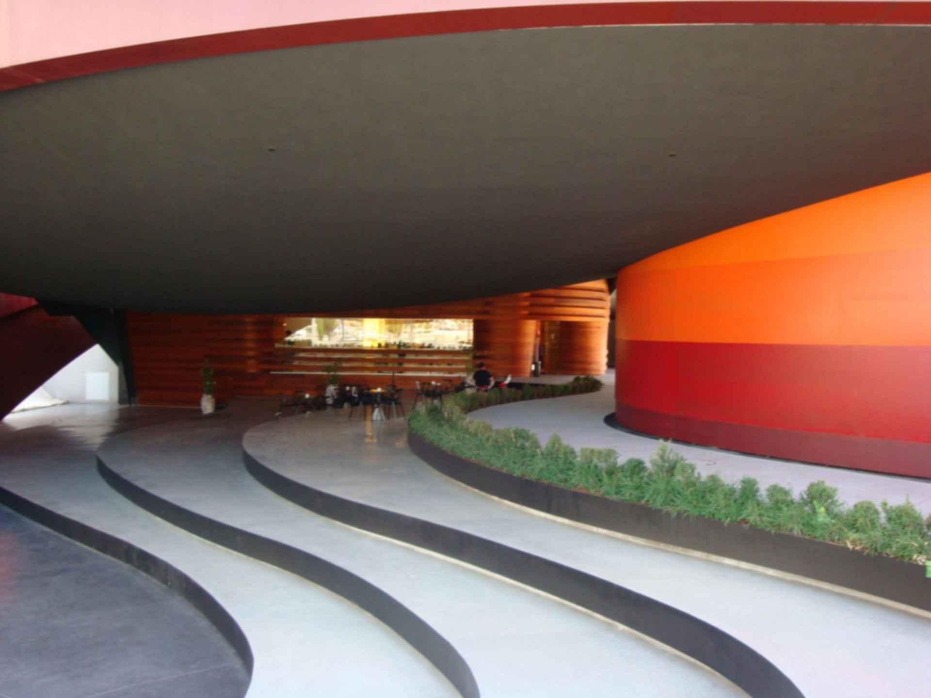 Design Museum Holon - Exterior/Entrance
