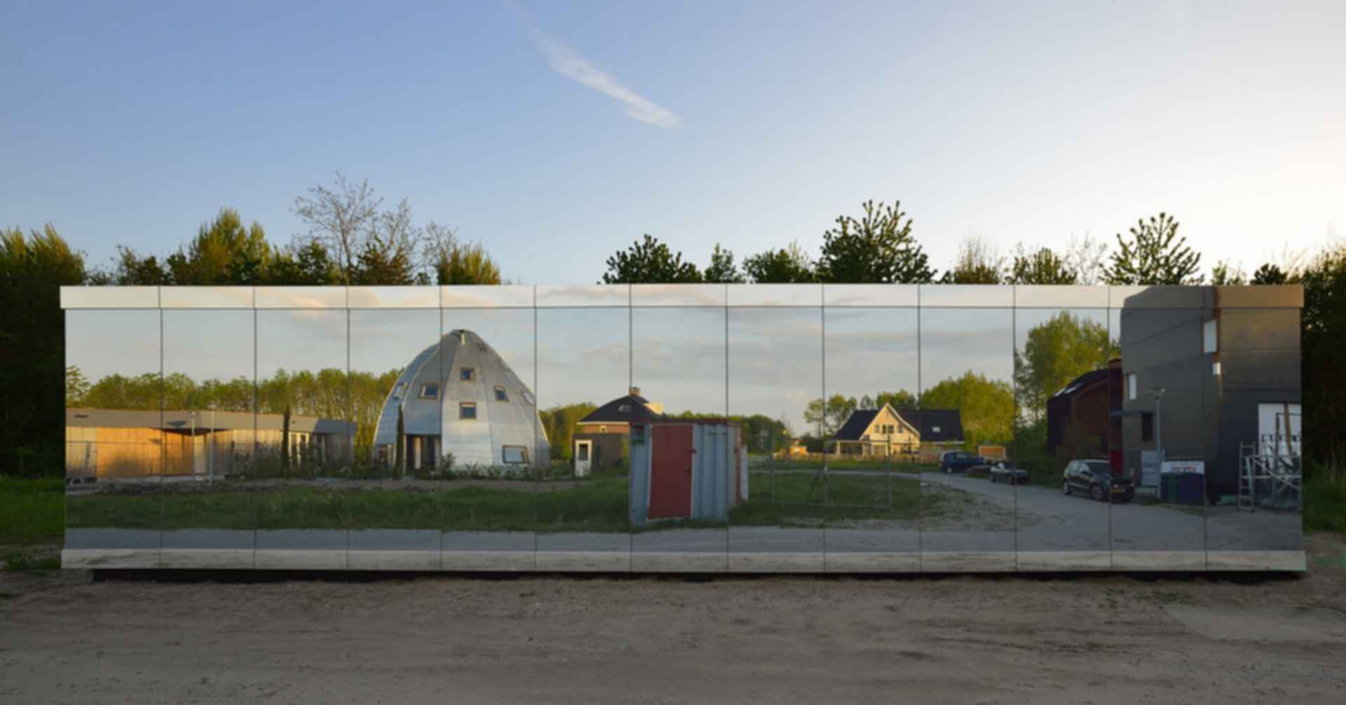 Mirror House, Almere - Exterior