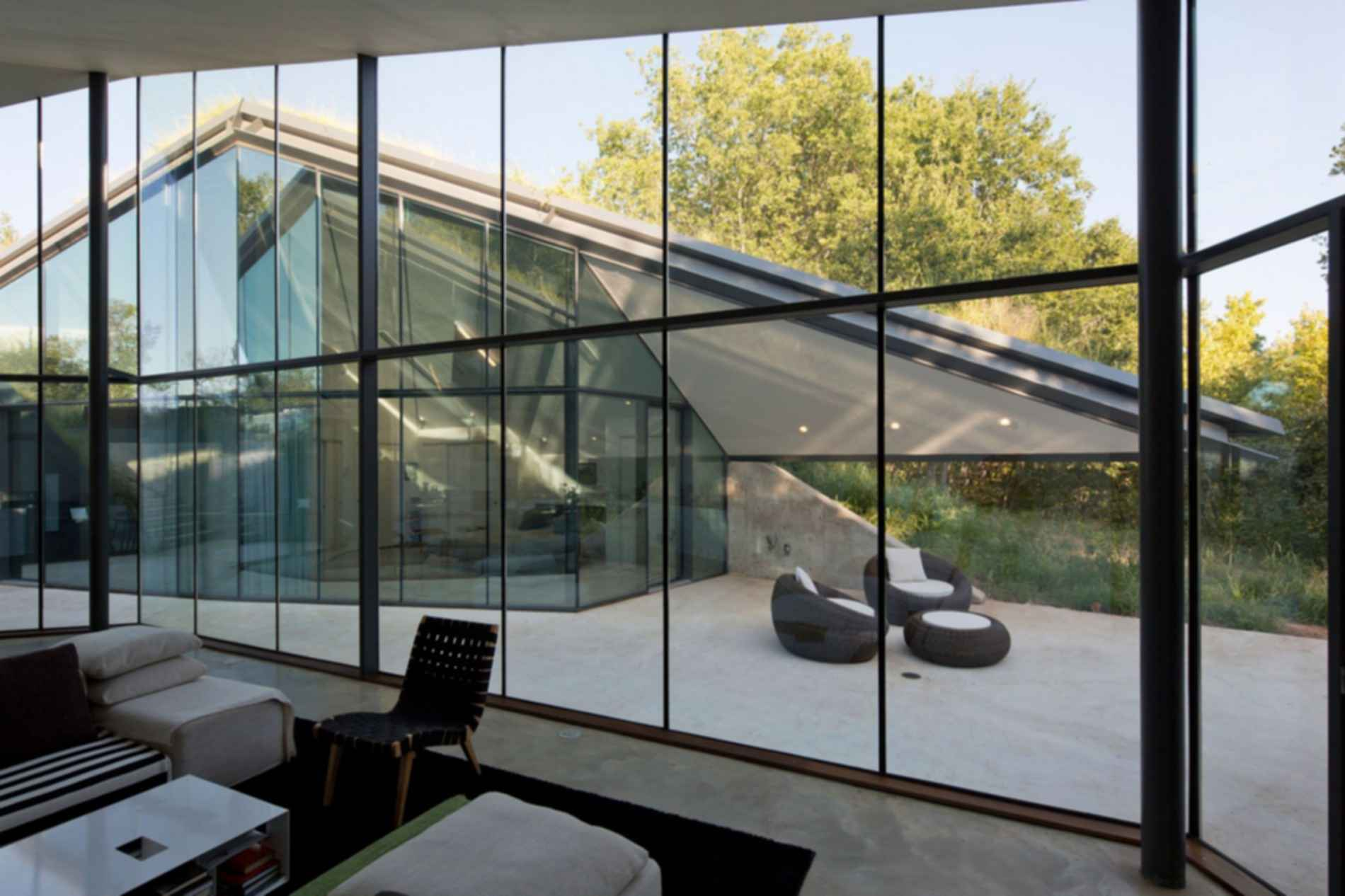 Edgeland House - Interior