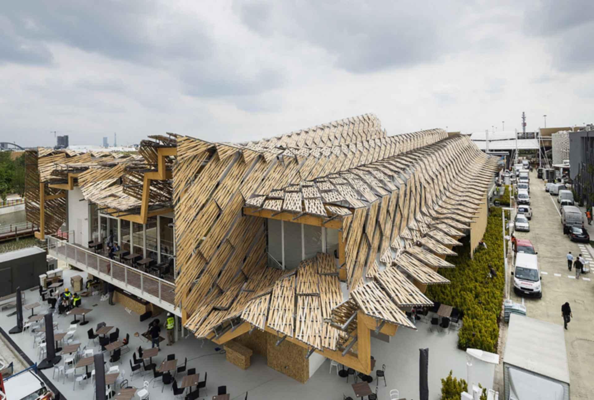 China Pavilion at Milan Expo 2015 - Exterior/Decking