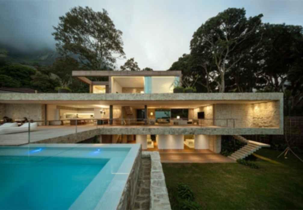 Al House - Exterior