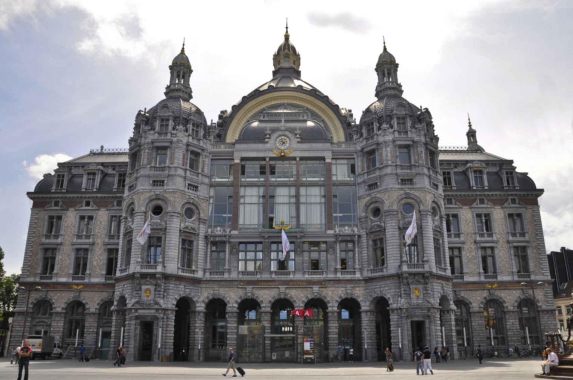 Antwerpen-Centraal Station - Exterior/front