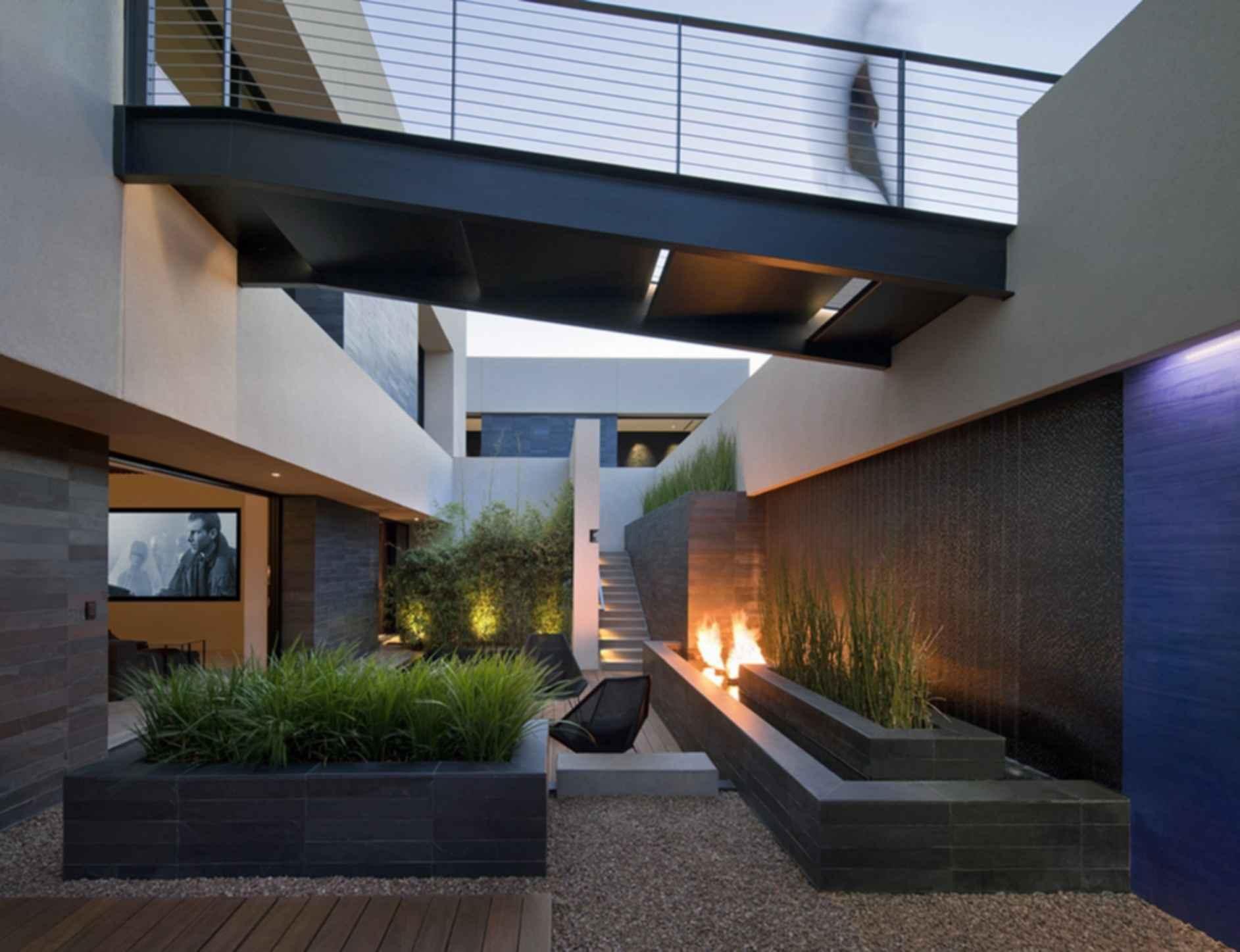 Tresarca House - Courtyard