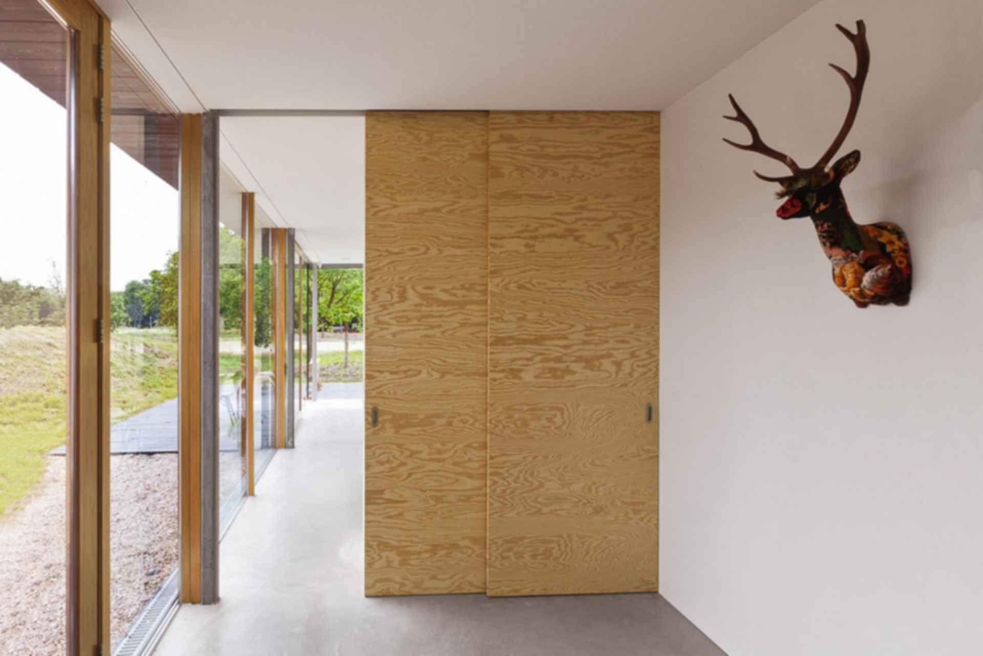Home 09 - interior/ hallway