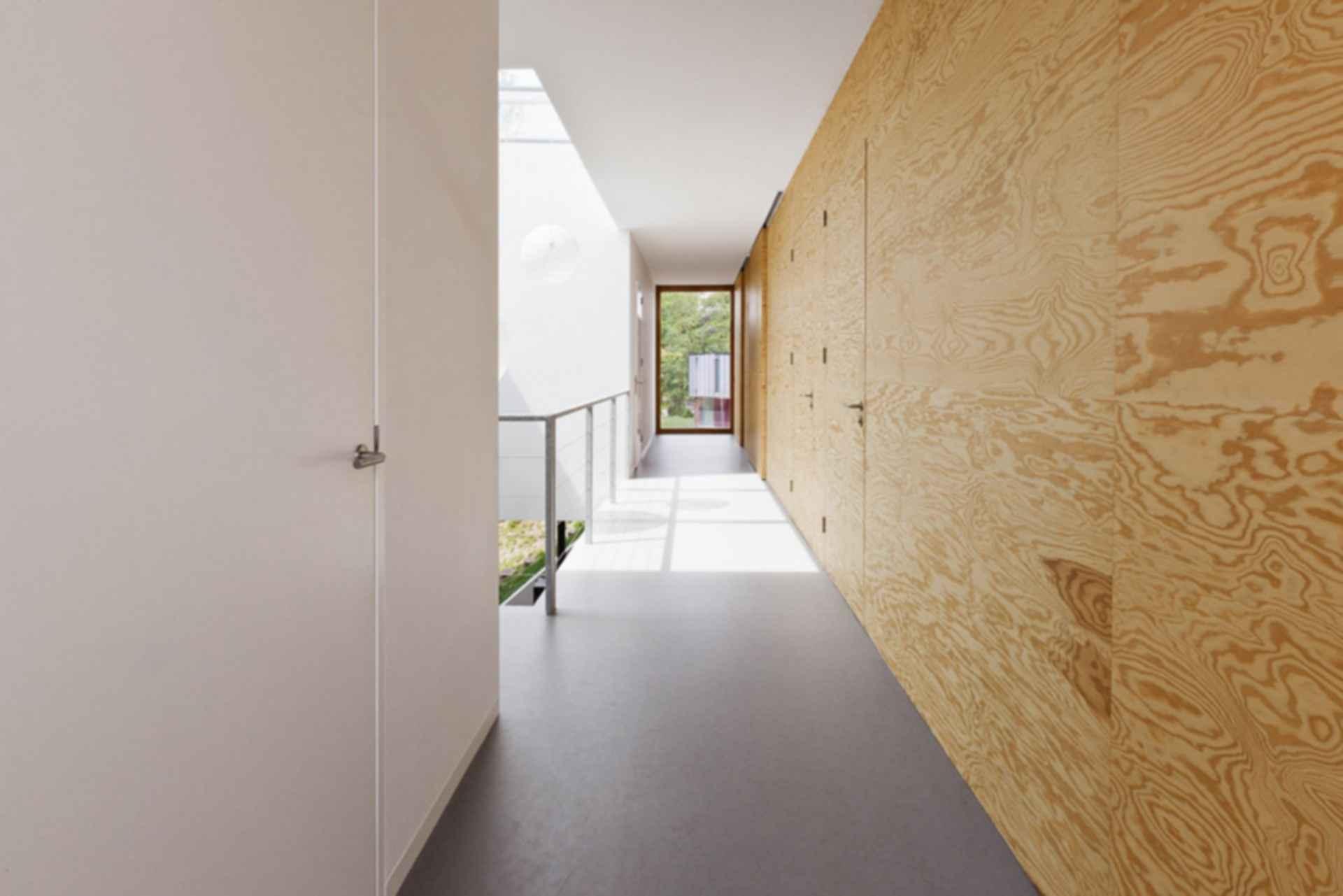 Home 09 - interior/hallway