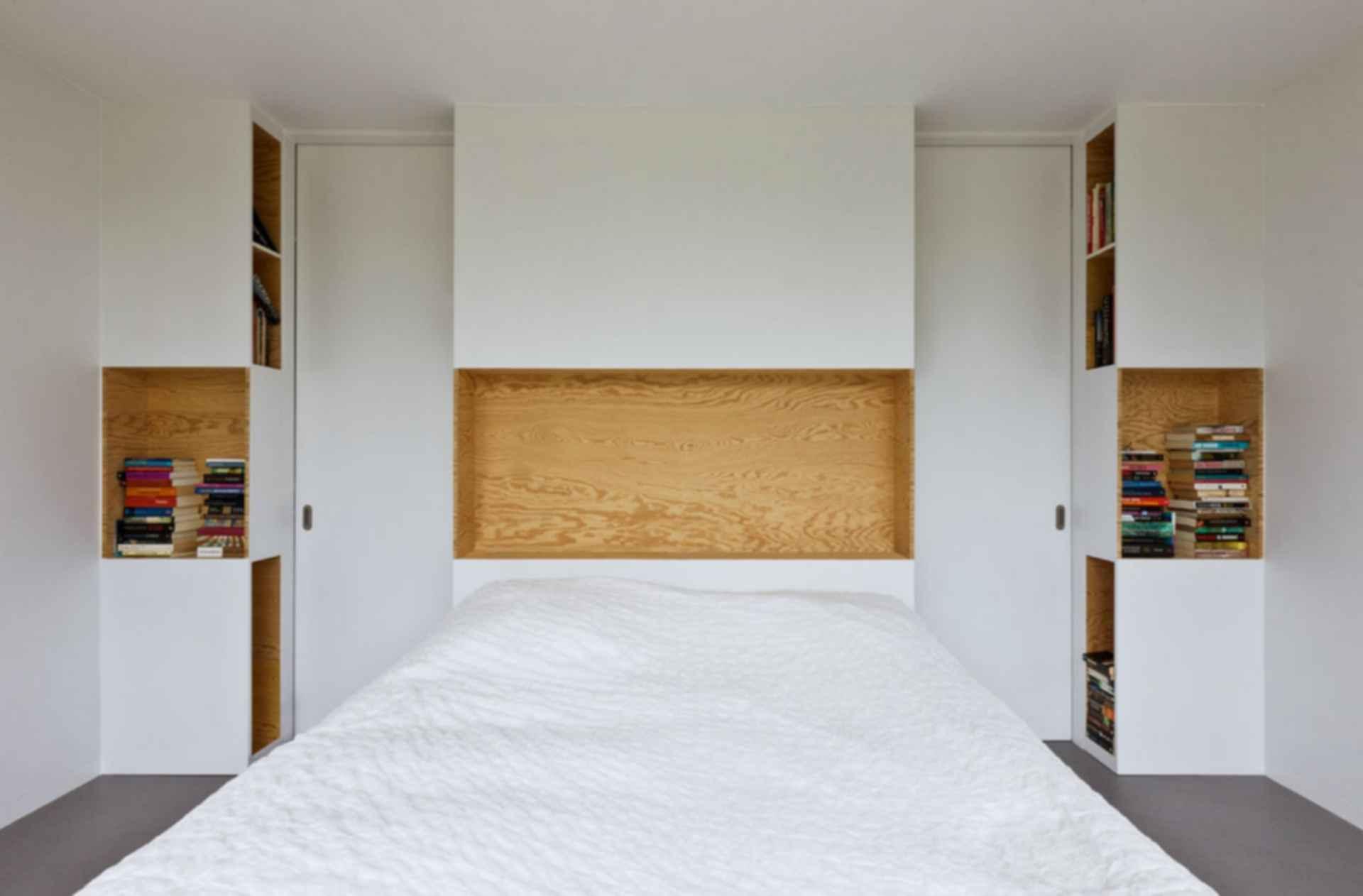 Home 09 - interior/bedroom