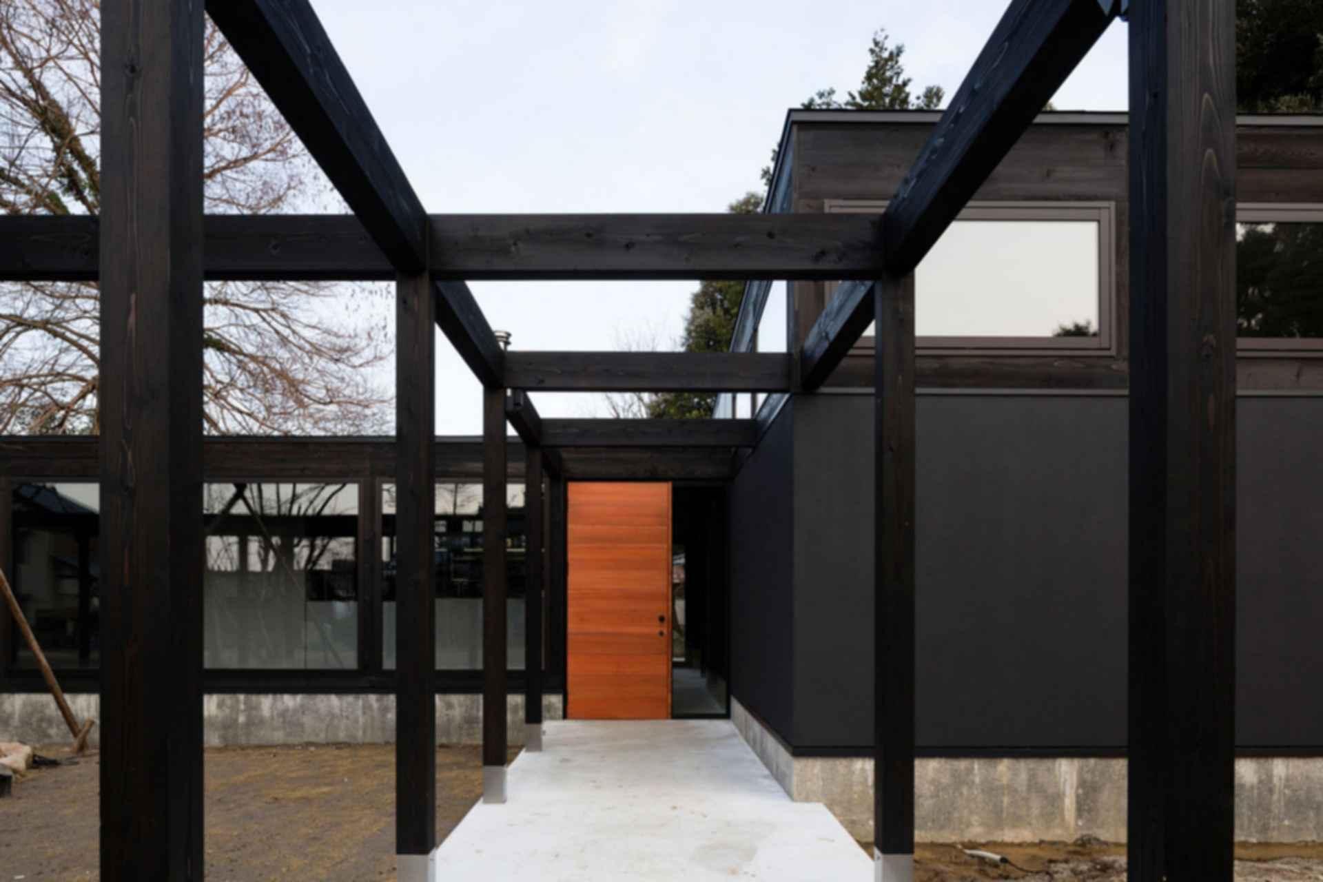 Plate - exterior/entrance