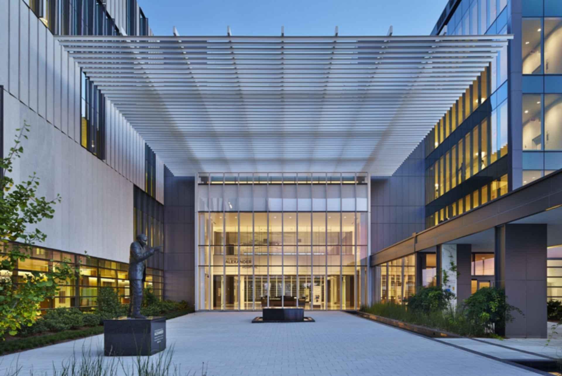 University Medical Center New Orleans - Exterior