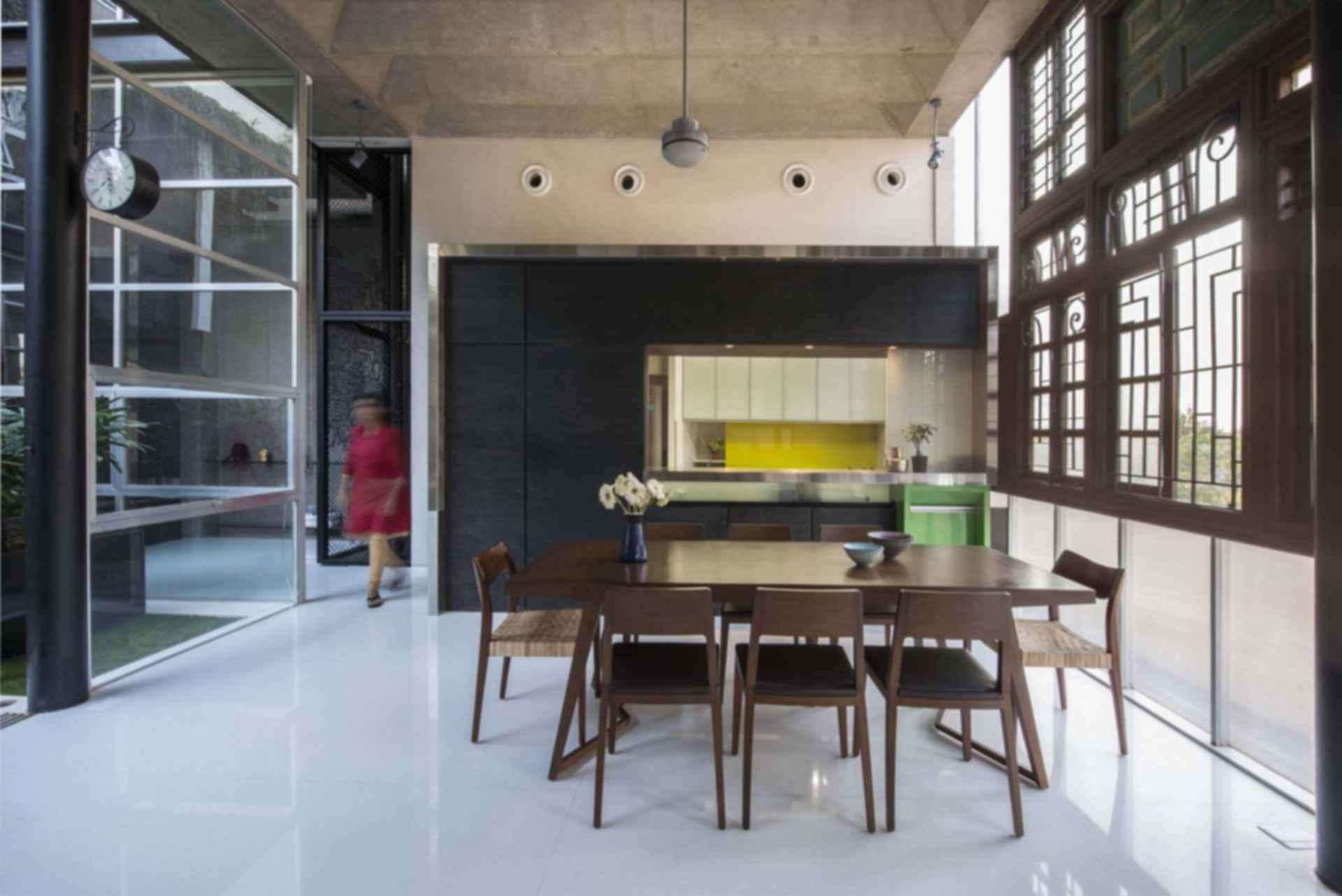 Collage House - Interior