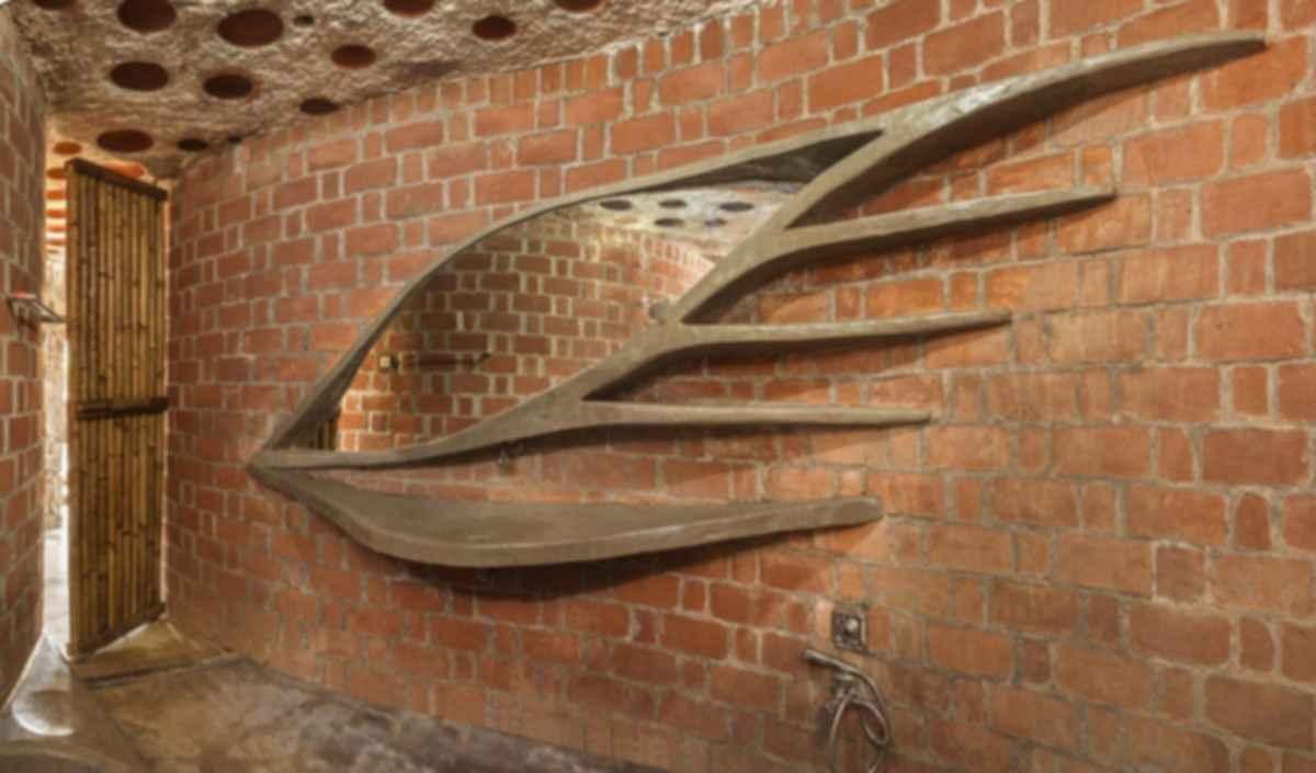The Brick House - Interior/Entrance