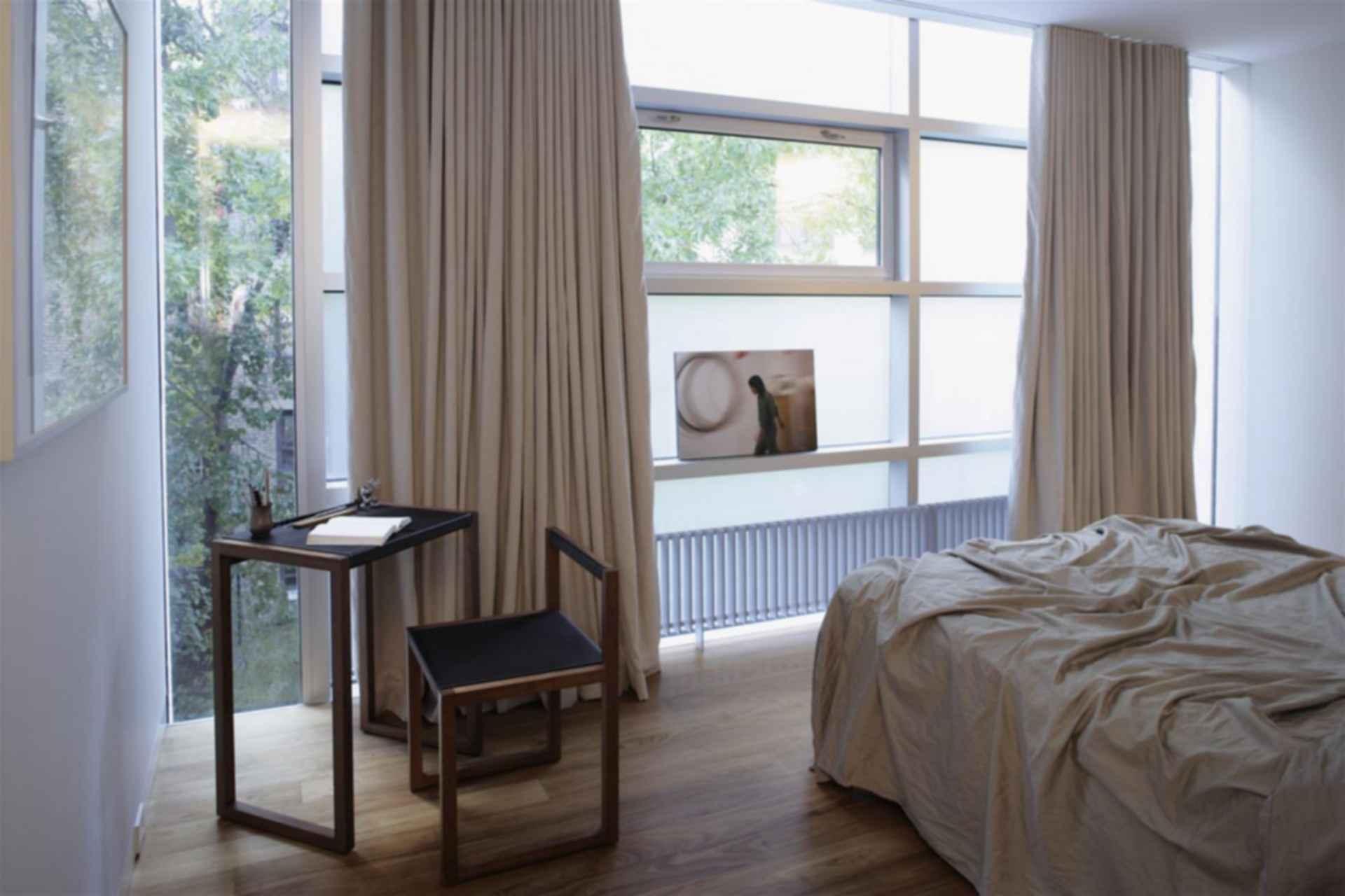 Urban Townhouse - interior/bedroom