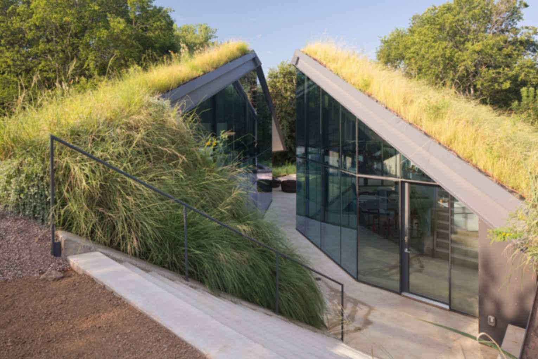 Edgeland Residence - Exterior/Entrance