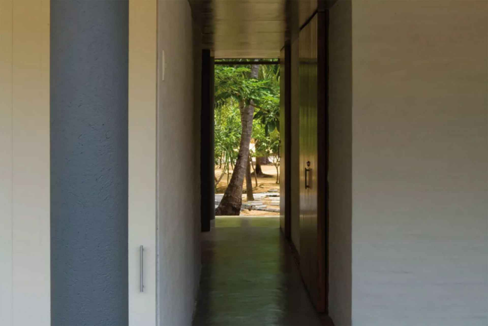 Casa Tropical - interior/hallway