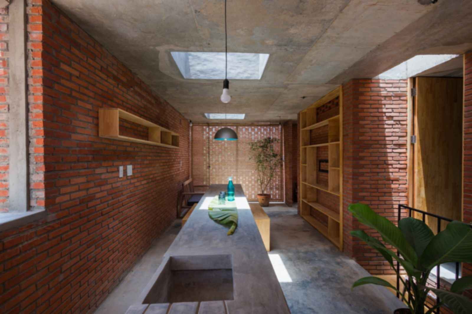 LT House - interior