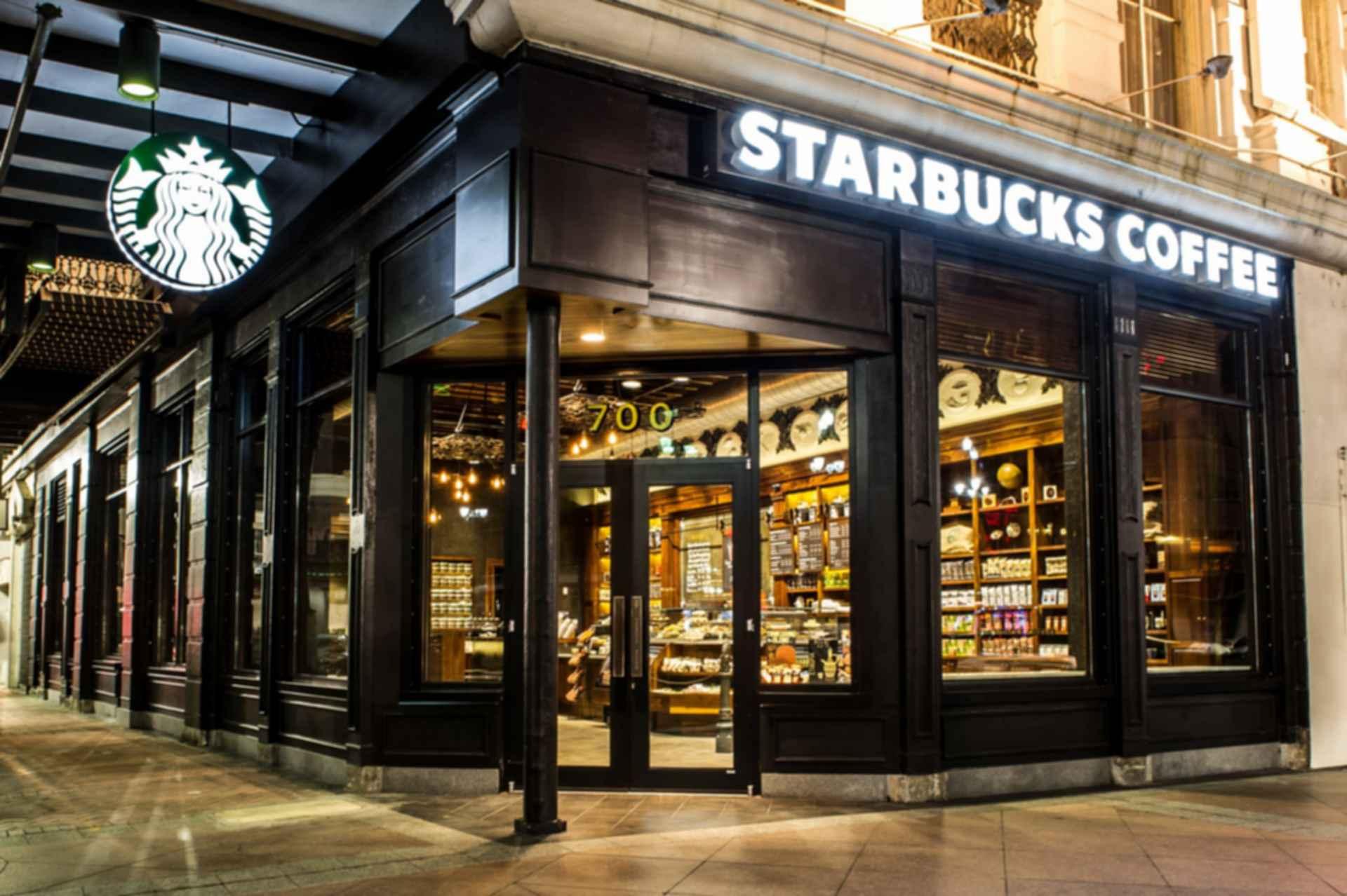 New Orleans Starbucks - Exterior