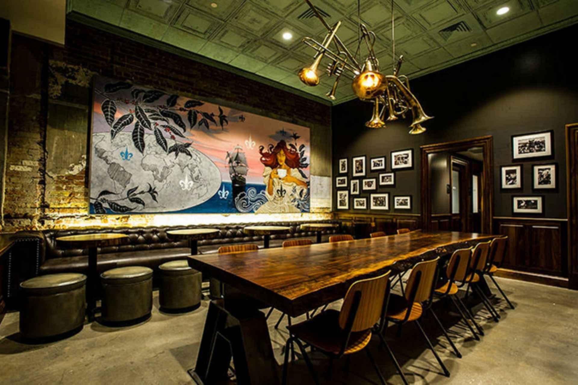 New Orleans Starbucks - Interior