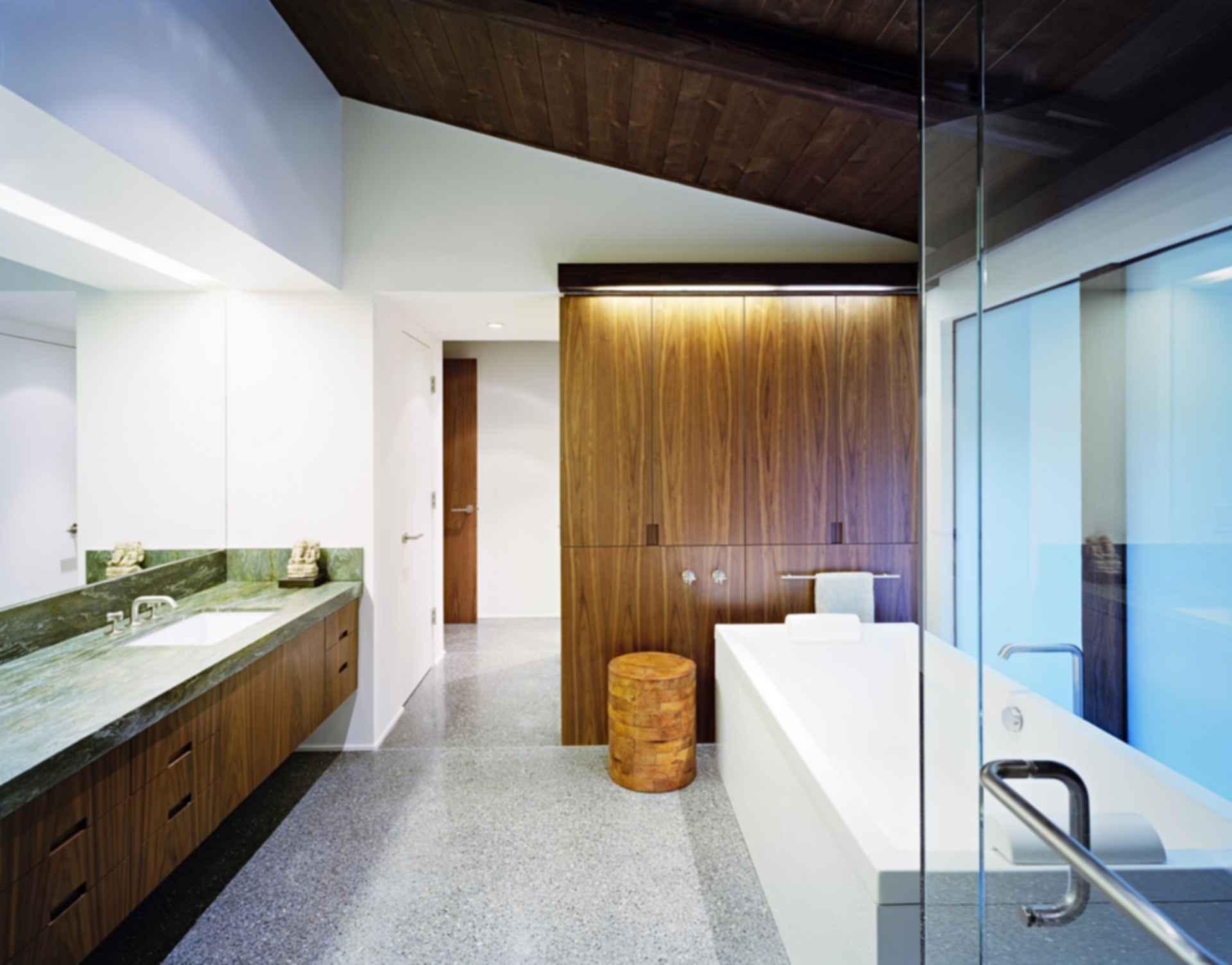The Experimental Ranch - Bathroom