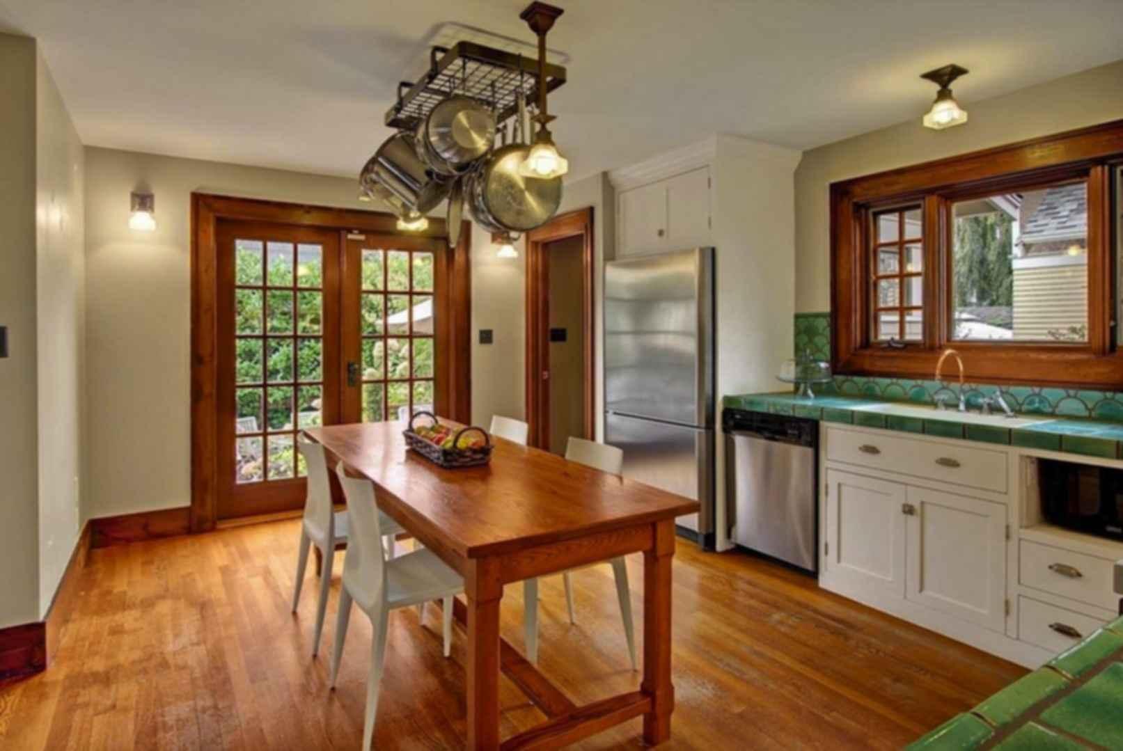 Mount Baker House - Kitchen