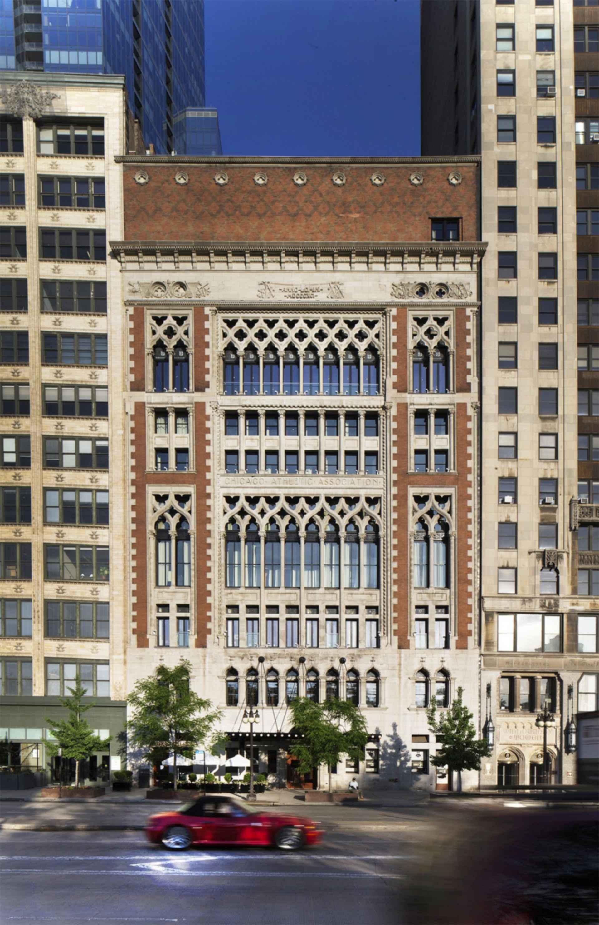 Chicago Athletic Association - Exterior
