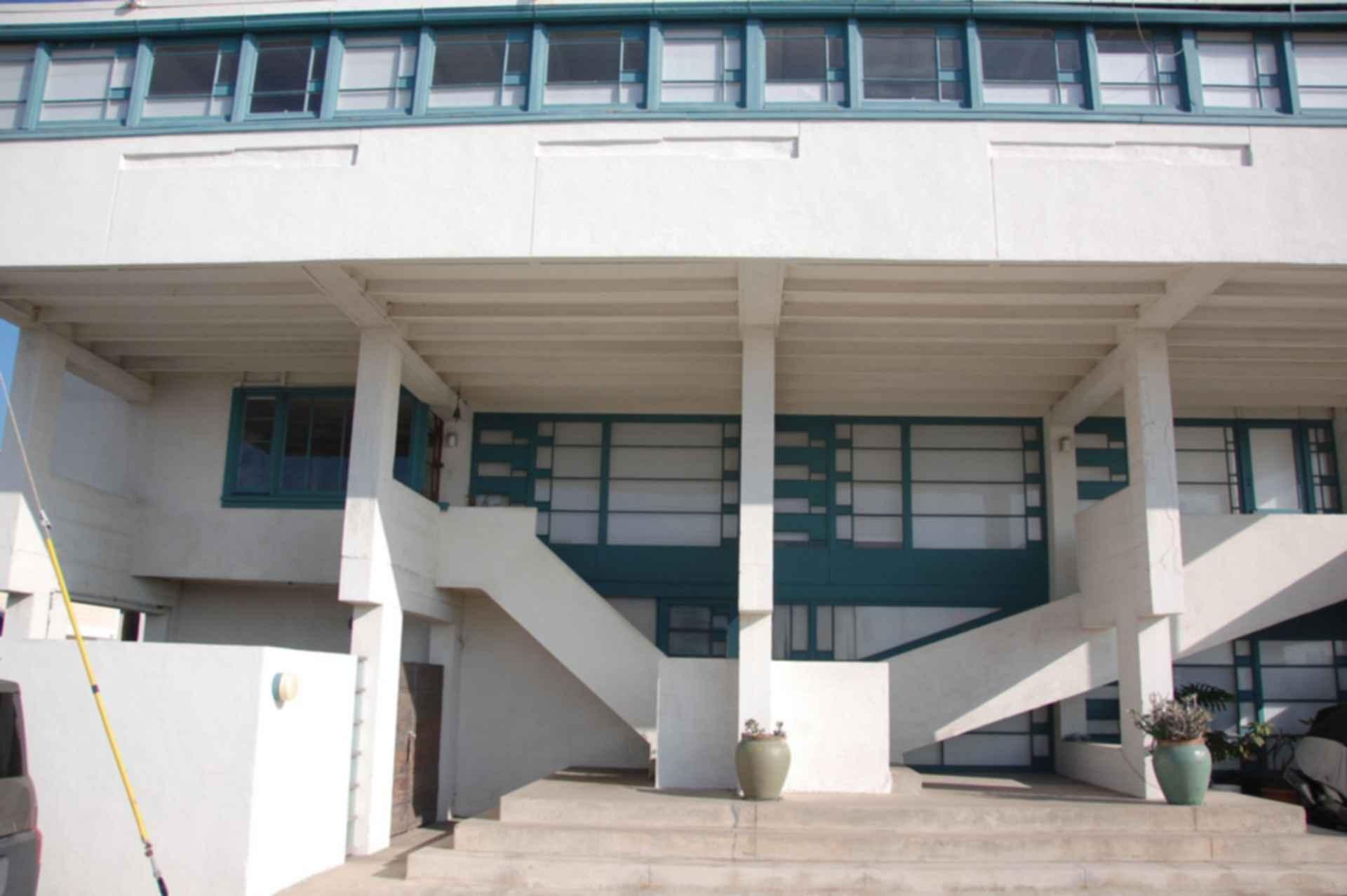 Lovell Beach House - Exterior/Street View