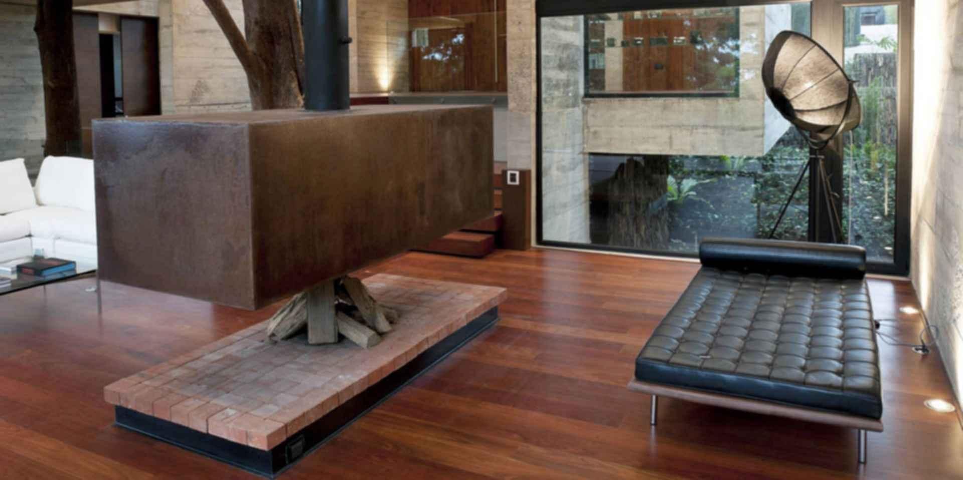 Corallo House - Fireplace