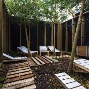 Barking Bathhouse Spa and Bar - Outdoor Area