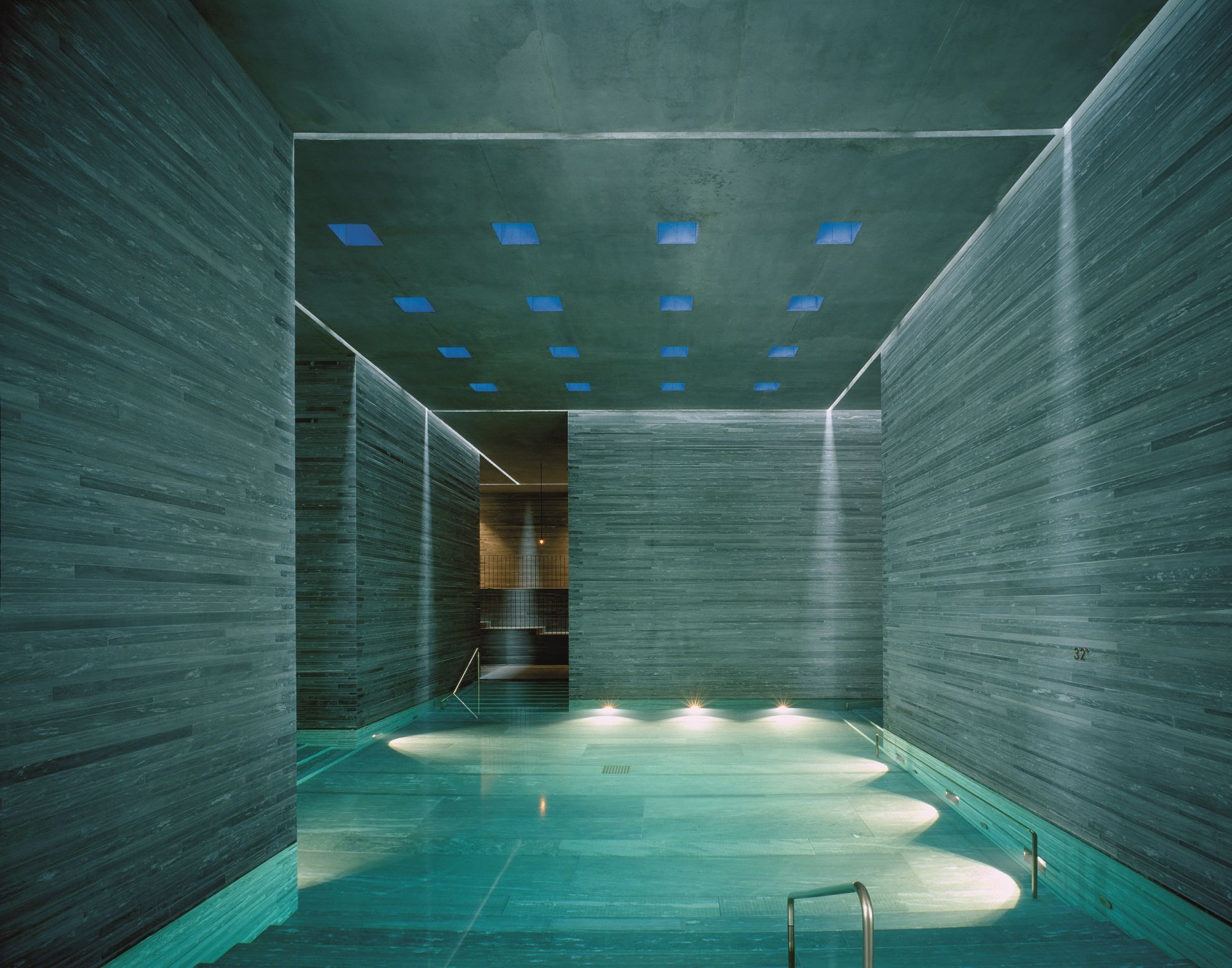 The therme vals interior pool for Therme vals vals svizzera
