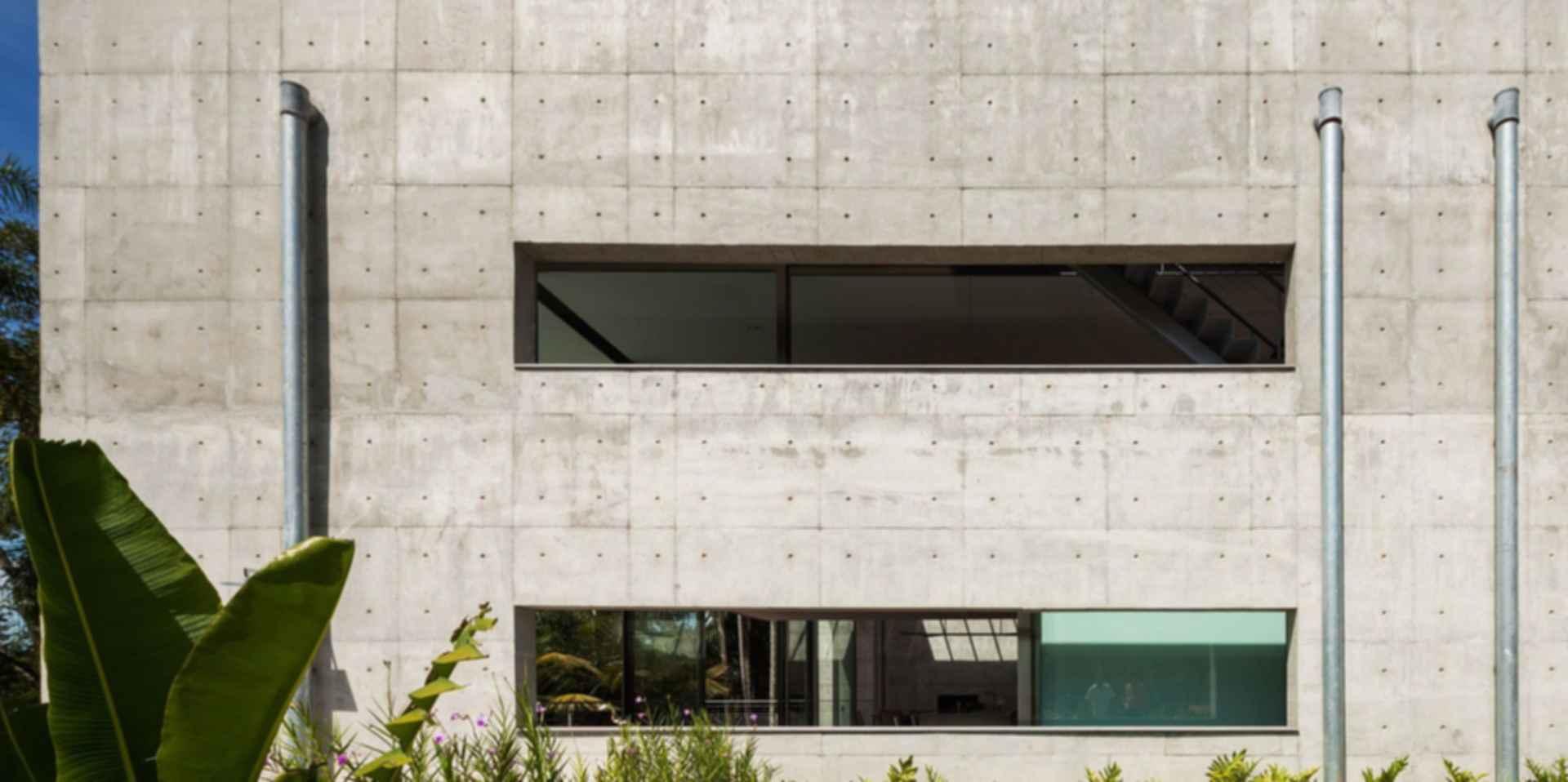 LLM House - Exterior/Concrete Walls