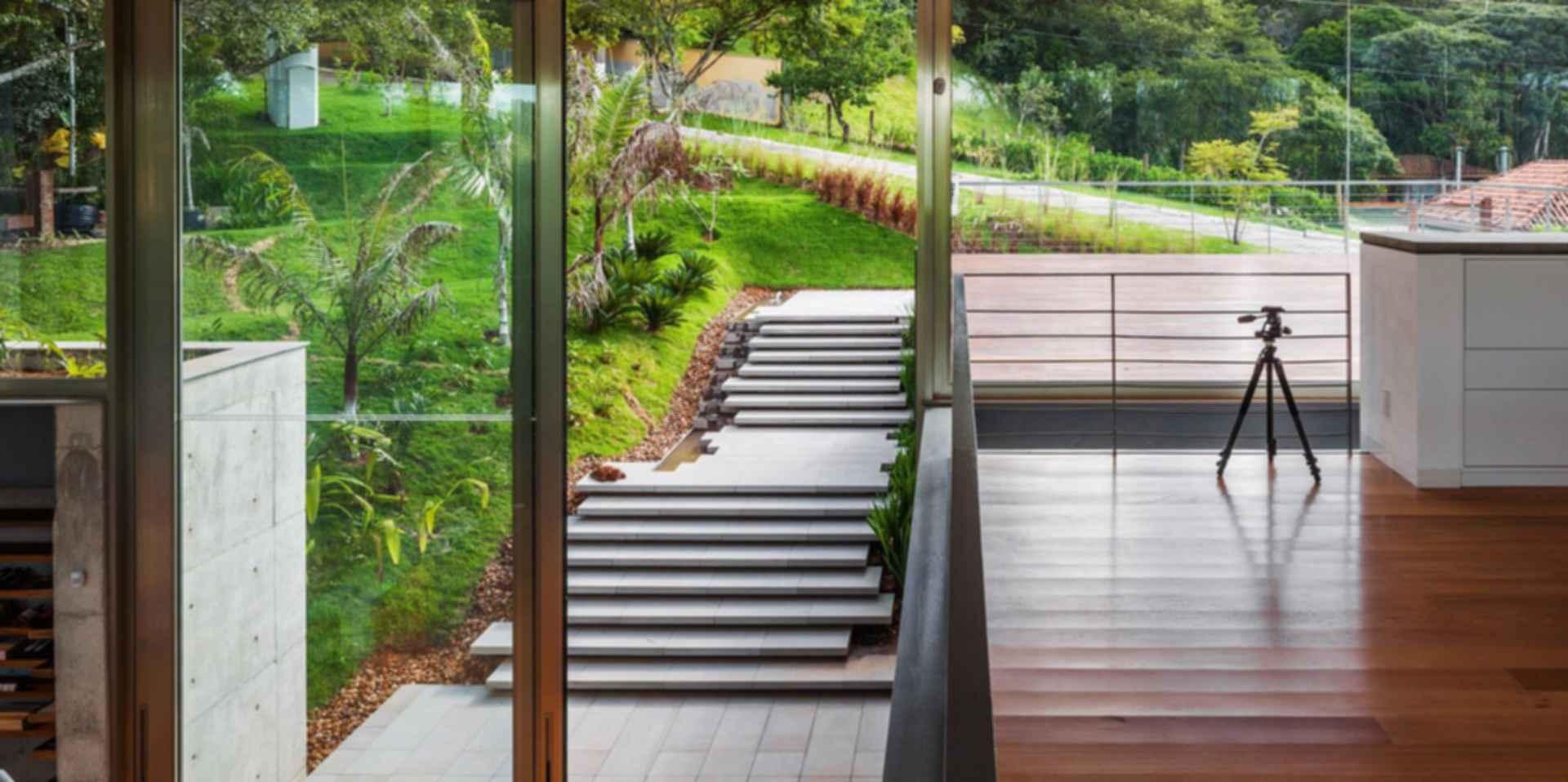 LLM House - Entrance/Decking