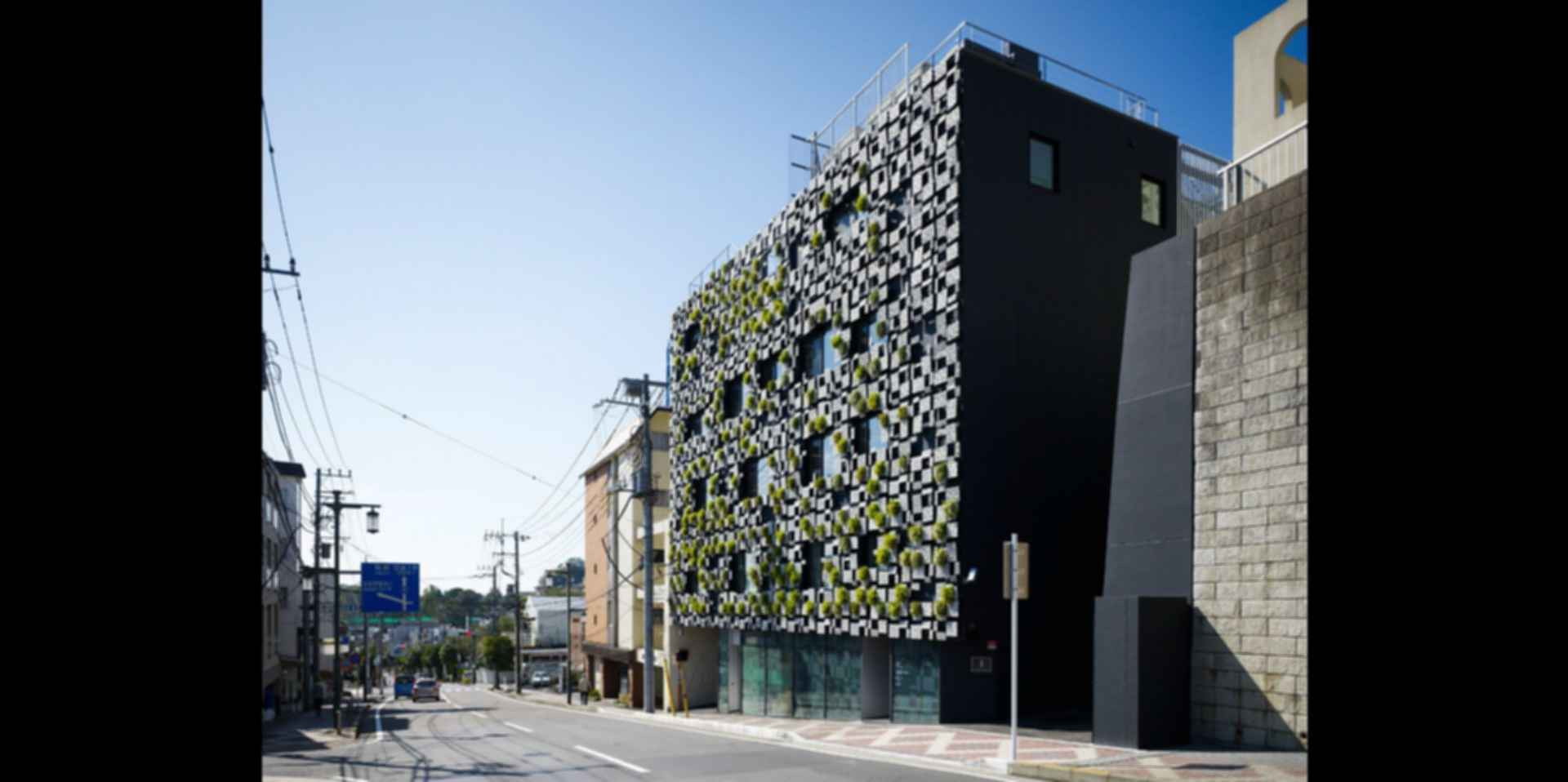 Green Cast - Exterior/Street View