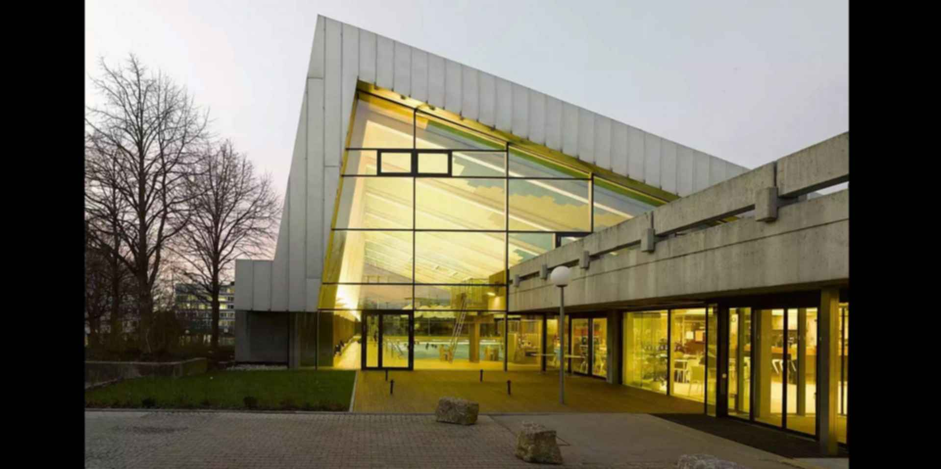 Sports Center in Leonberg - Exterior/Entrance