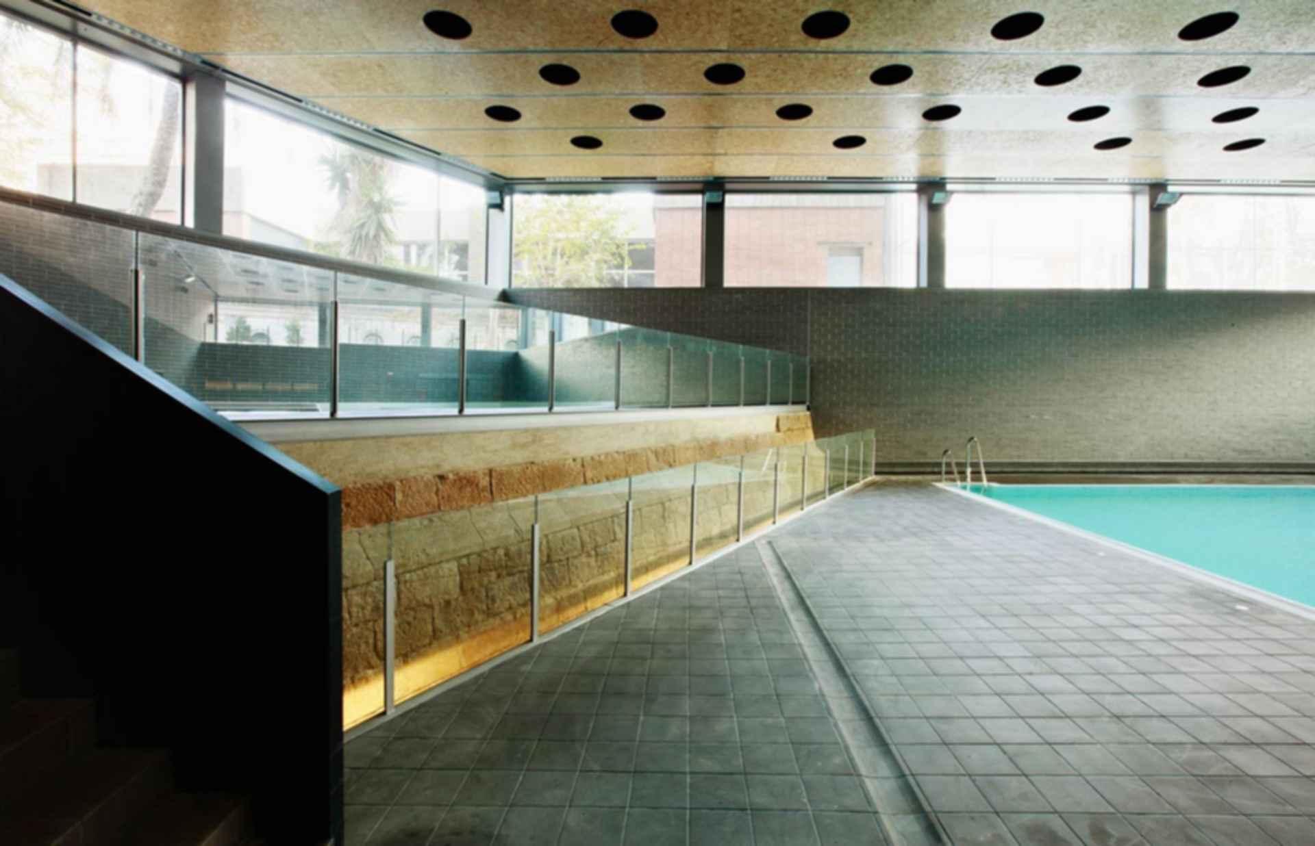 Ciutadella Park Sports Center - Interior/Pool
