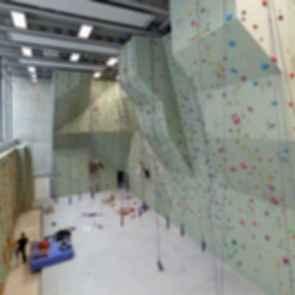Sports Center Jules Ladoumegue - Interior/Rock Climbing Wall