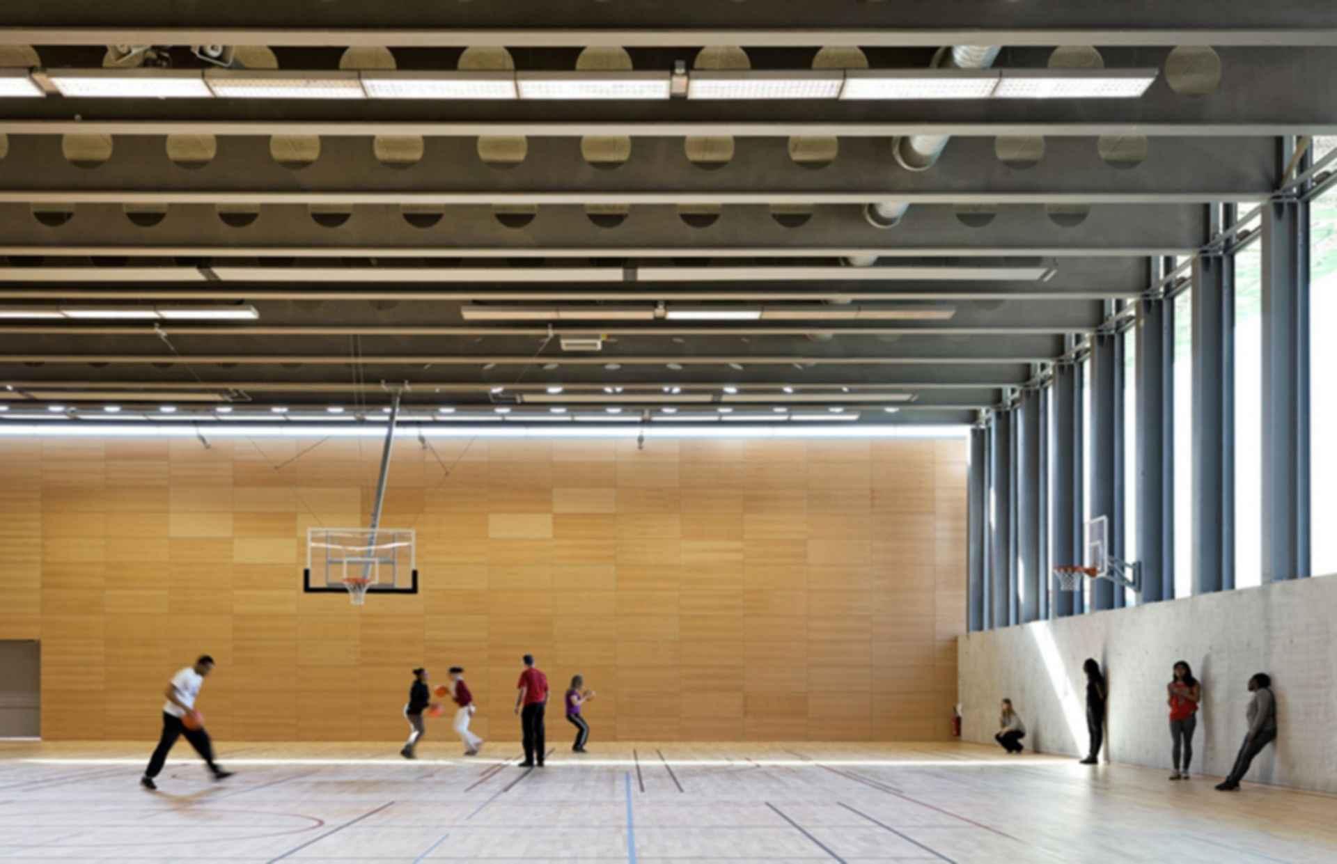 Sports Center Jules Ladoumegue - Interior/Basketball Court