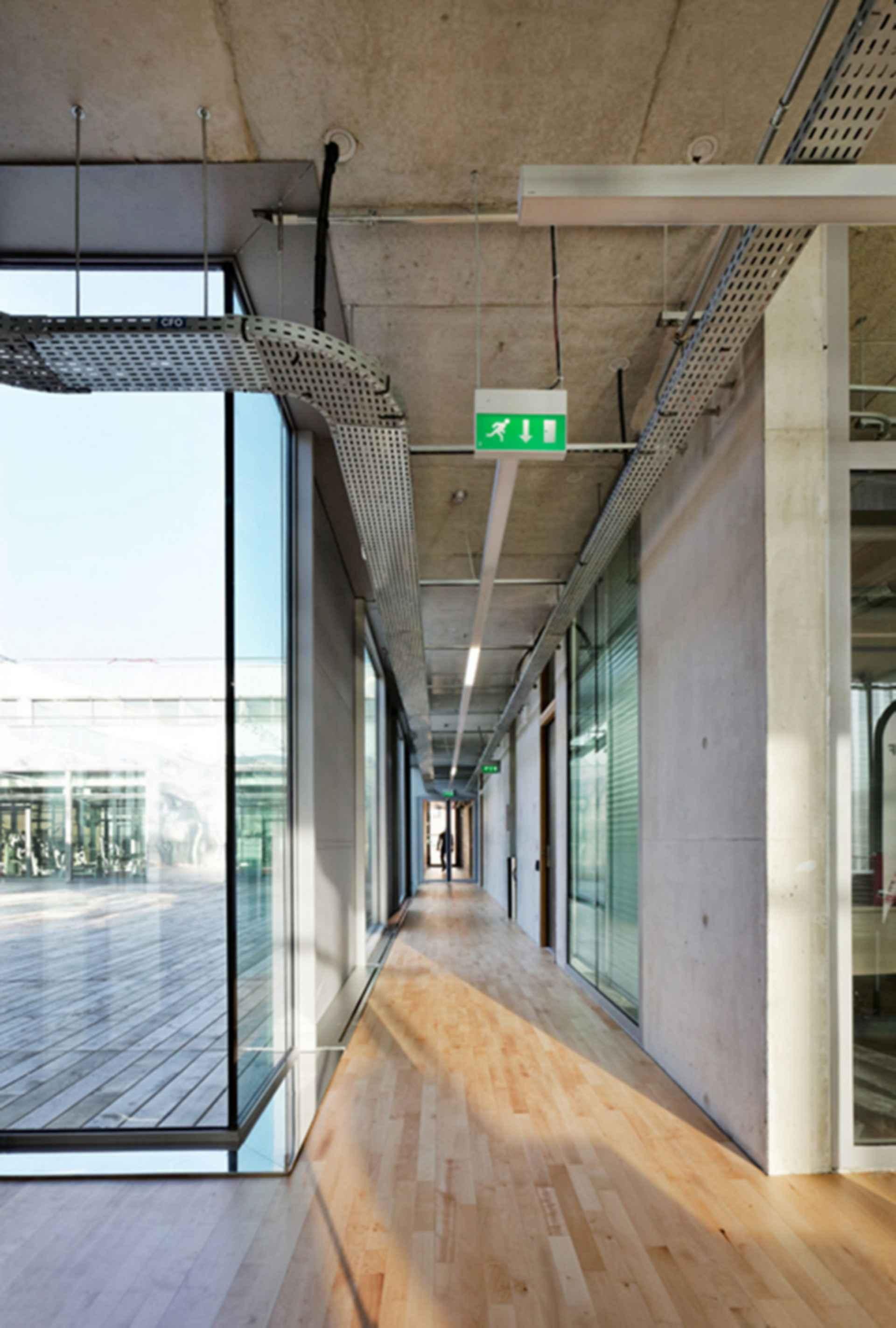 Sports Center Jules Ladoumegue - Interior/Hallway