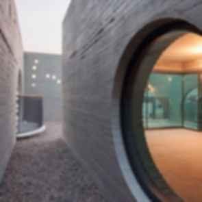 Two Moon - Exterior/Walkway