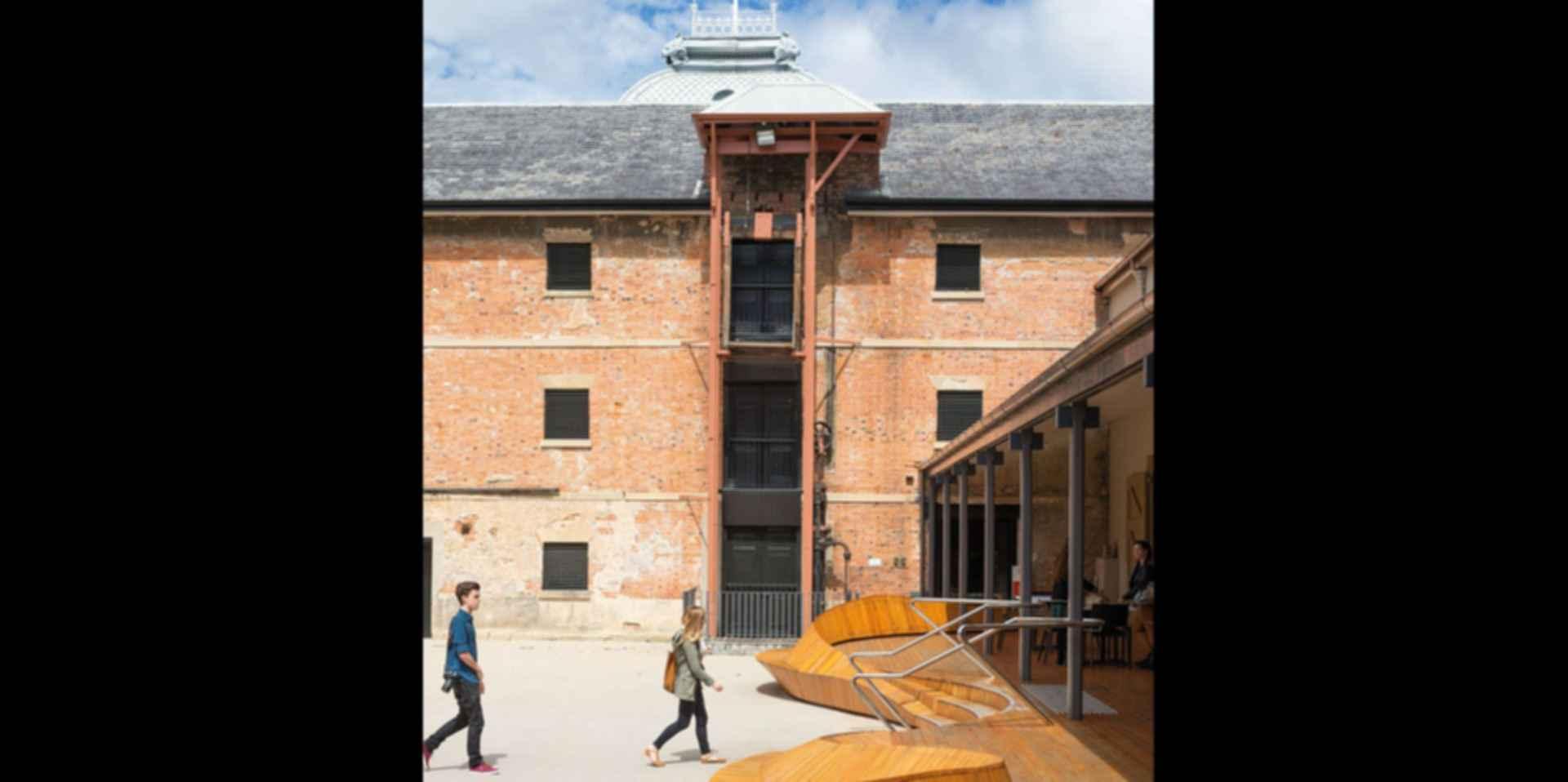 Tasmanian Museum and Art Gallery - Exterior/Courtyard