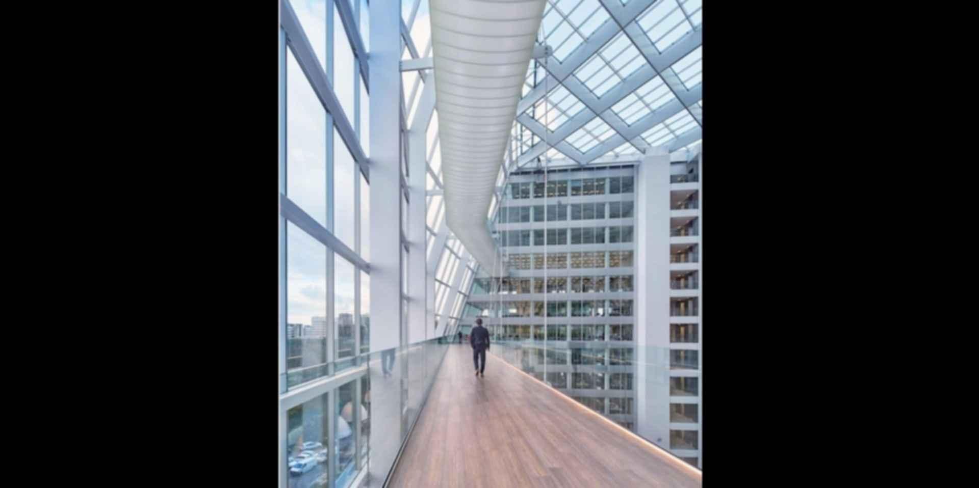 The Edge - Interior/Walkway