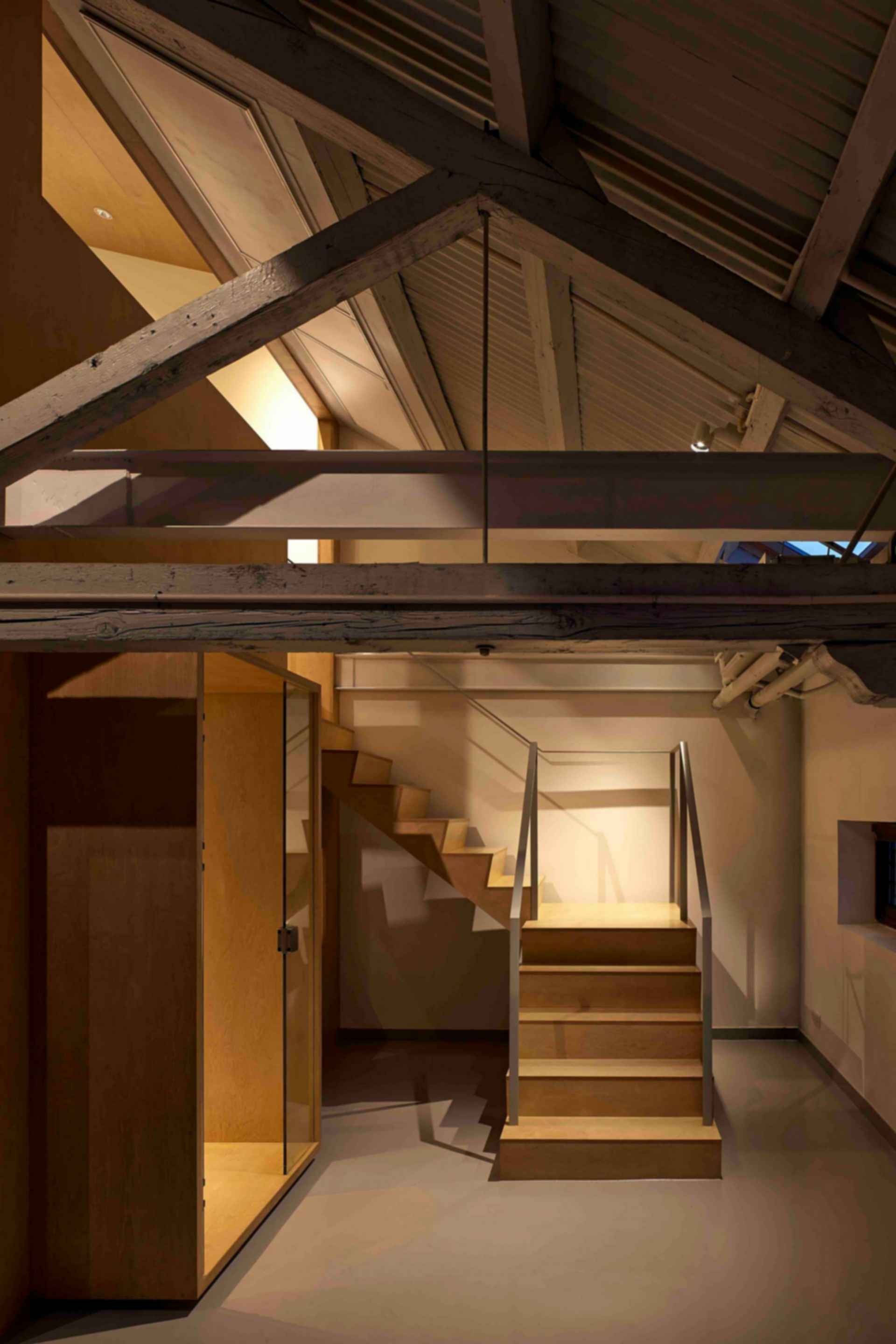 Arrow Factory: Hutong Media & Culture Creative Space - interior/roof