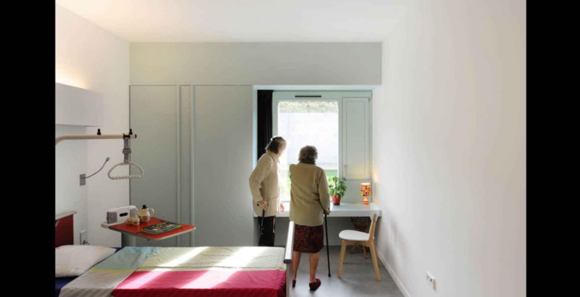 92-Bed Nursing Home - interior/bedroom