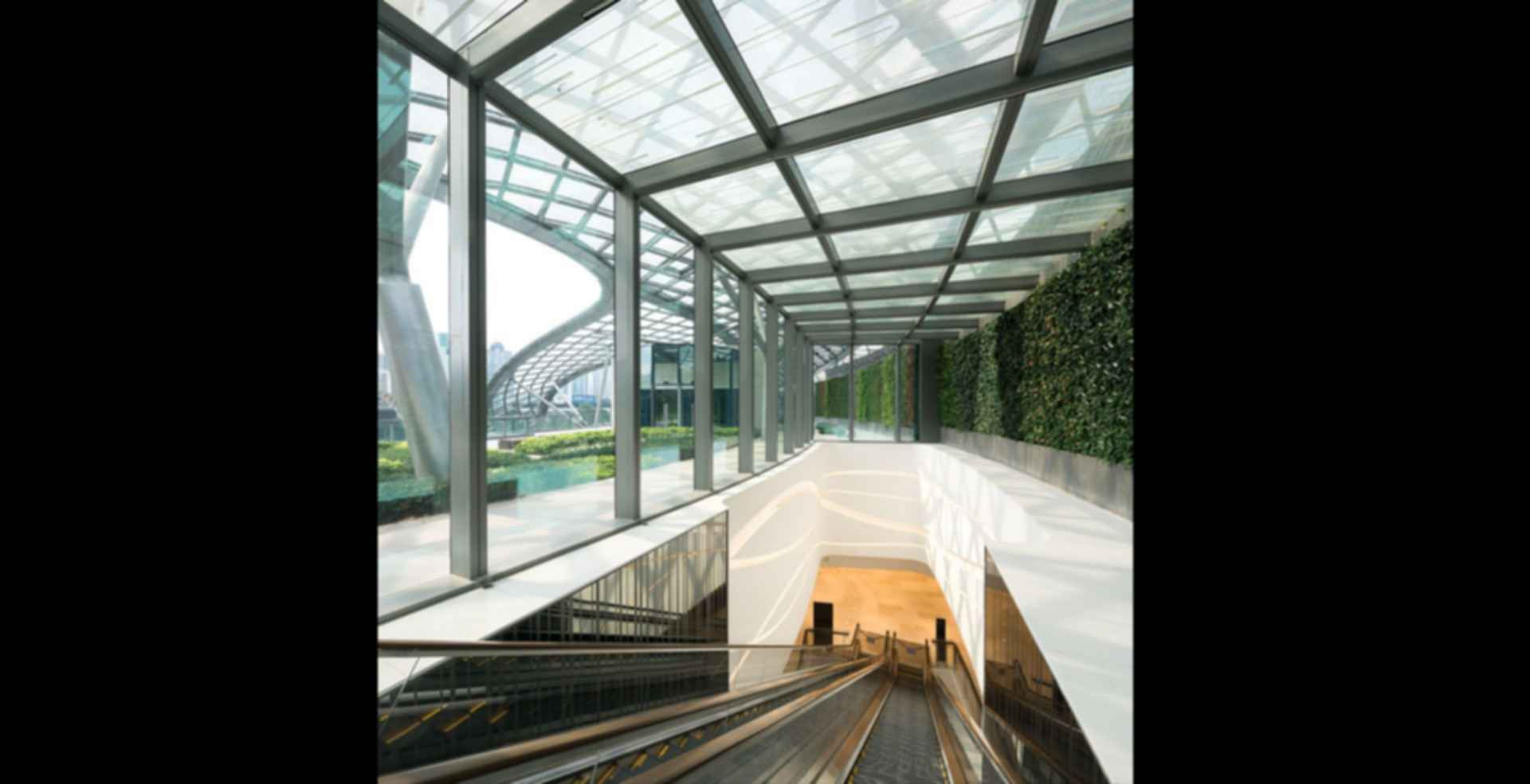 Parc Central - interior escalator