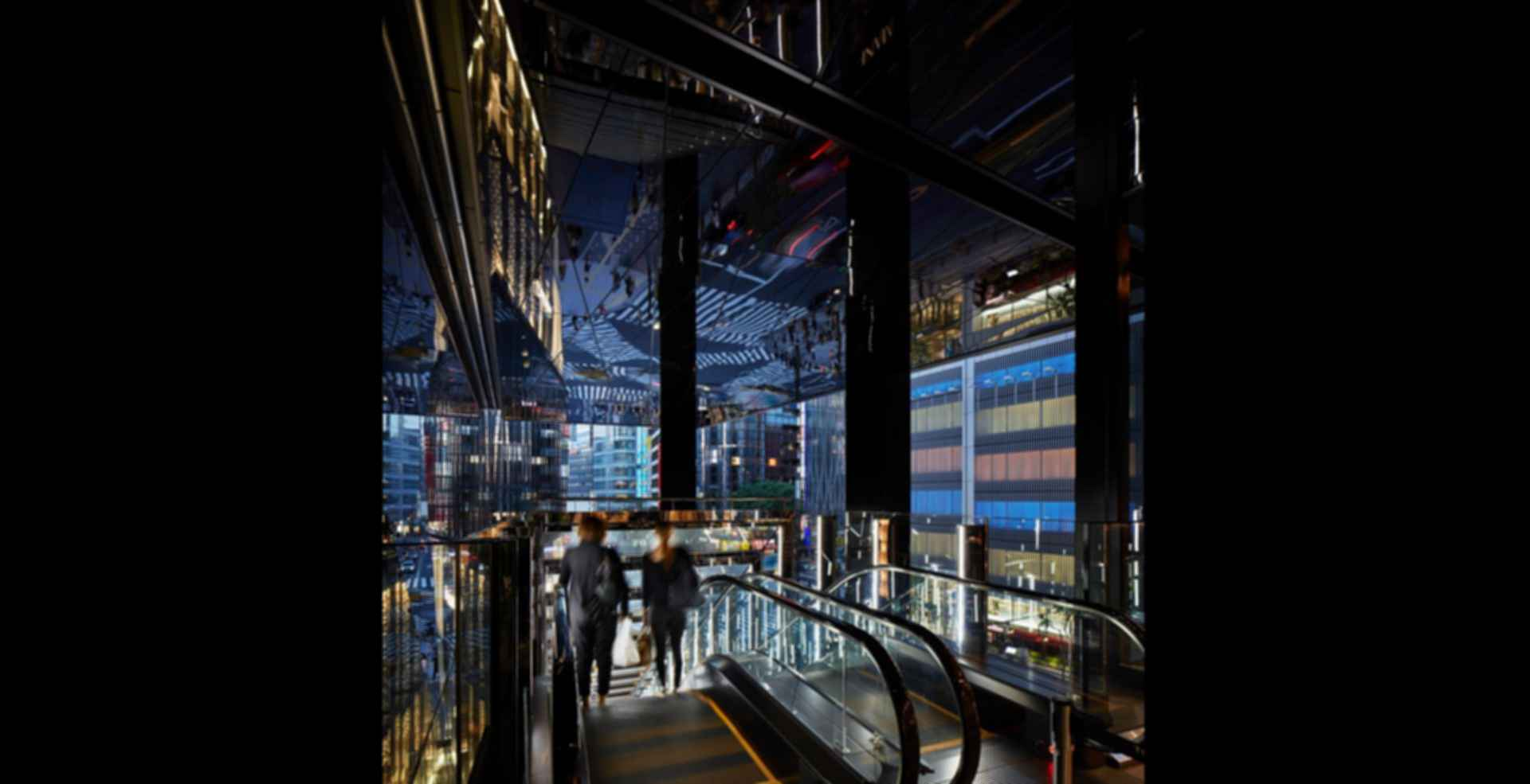 Tokyu Plaza Ginza - interior escalator