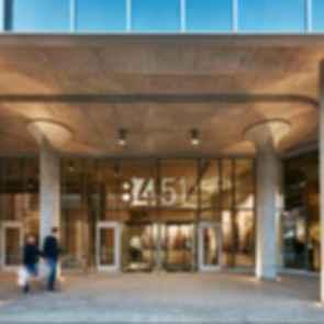 84.51 Centre - entrance