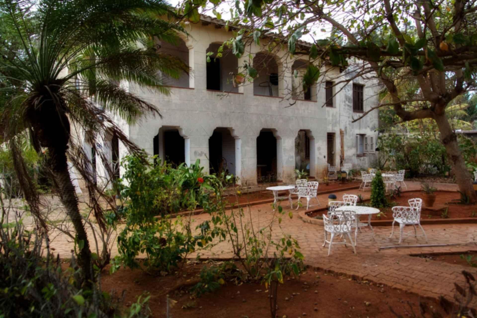 Cuban House - exterior