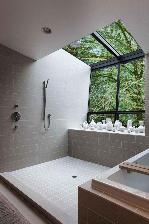 Hoke House - bathroom